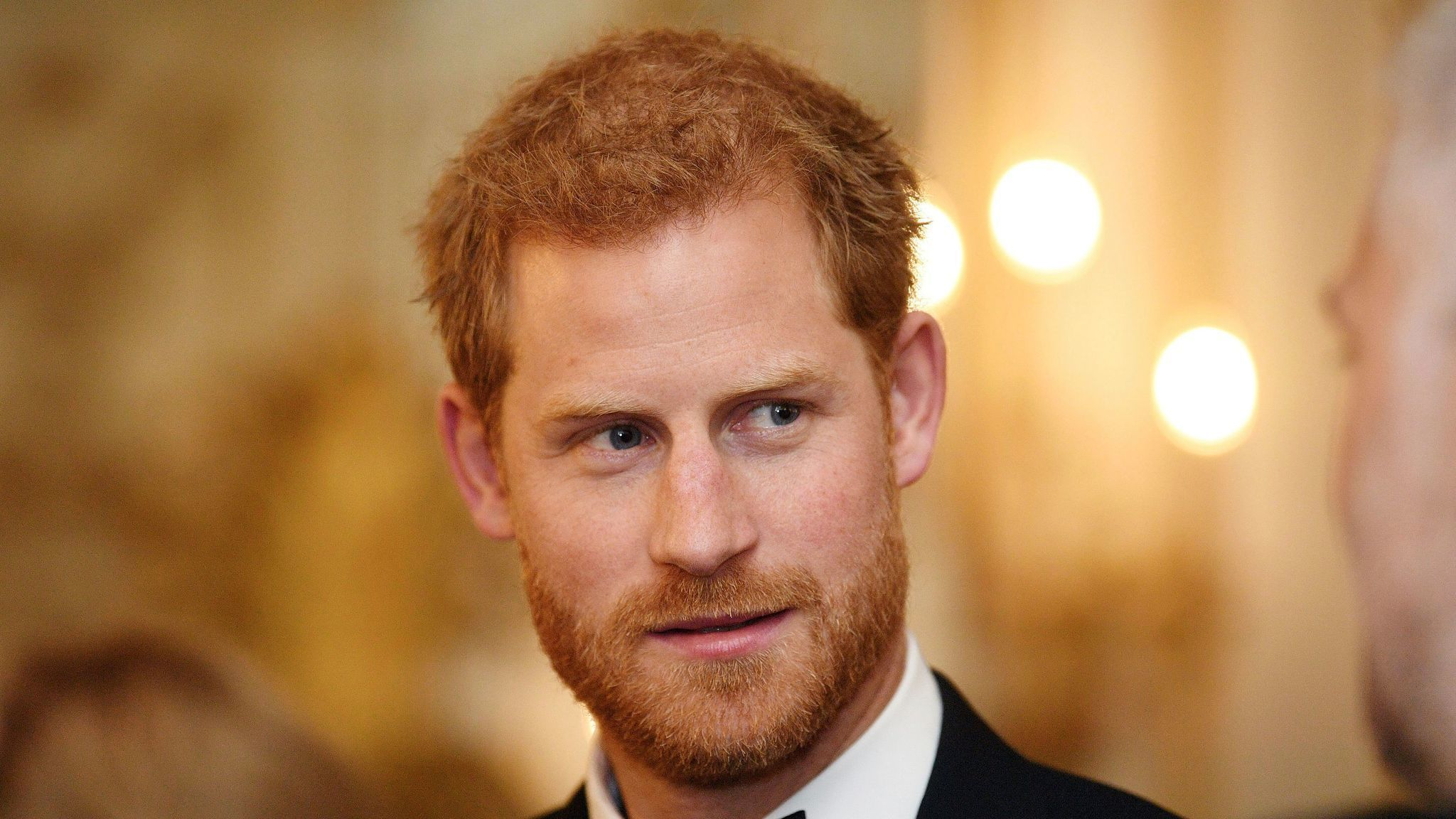 Prince Harry headed to Chicago to help Obama 'empower ... positive change' - Chicago Tribune