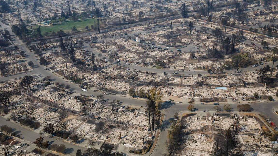 An aerial view of the damage caused by wildfire that destroyed the Coffey Park neighborhood in Santa Rosa, Calif. (Marcus Yam / Los Angeles Times)