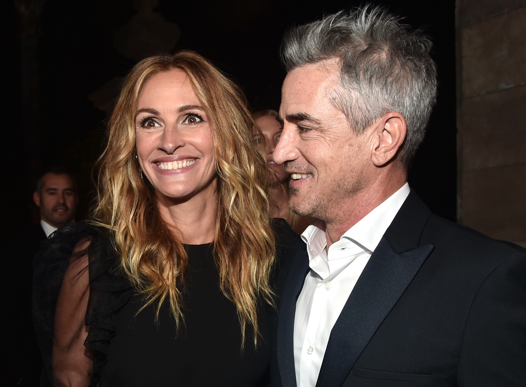 Honoree Julia Roberts and Dermot Mulroney at the amfAR Gala at Ron Burkle's Greenacres estate in Beverly Hills.