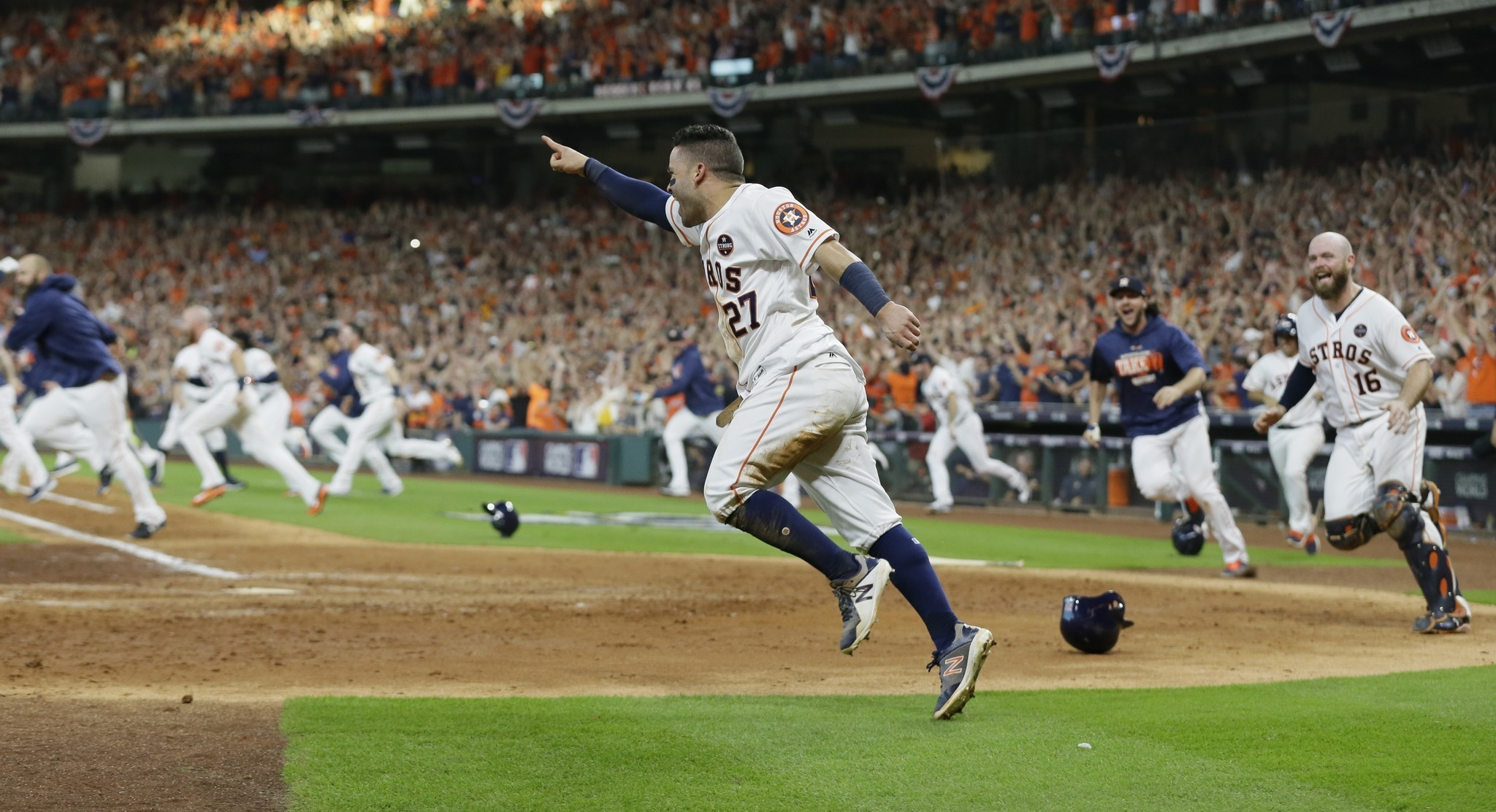 Astros take 2-0 ALCS lead after walk-off Game 2 win over ...