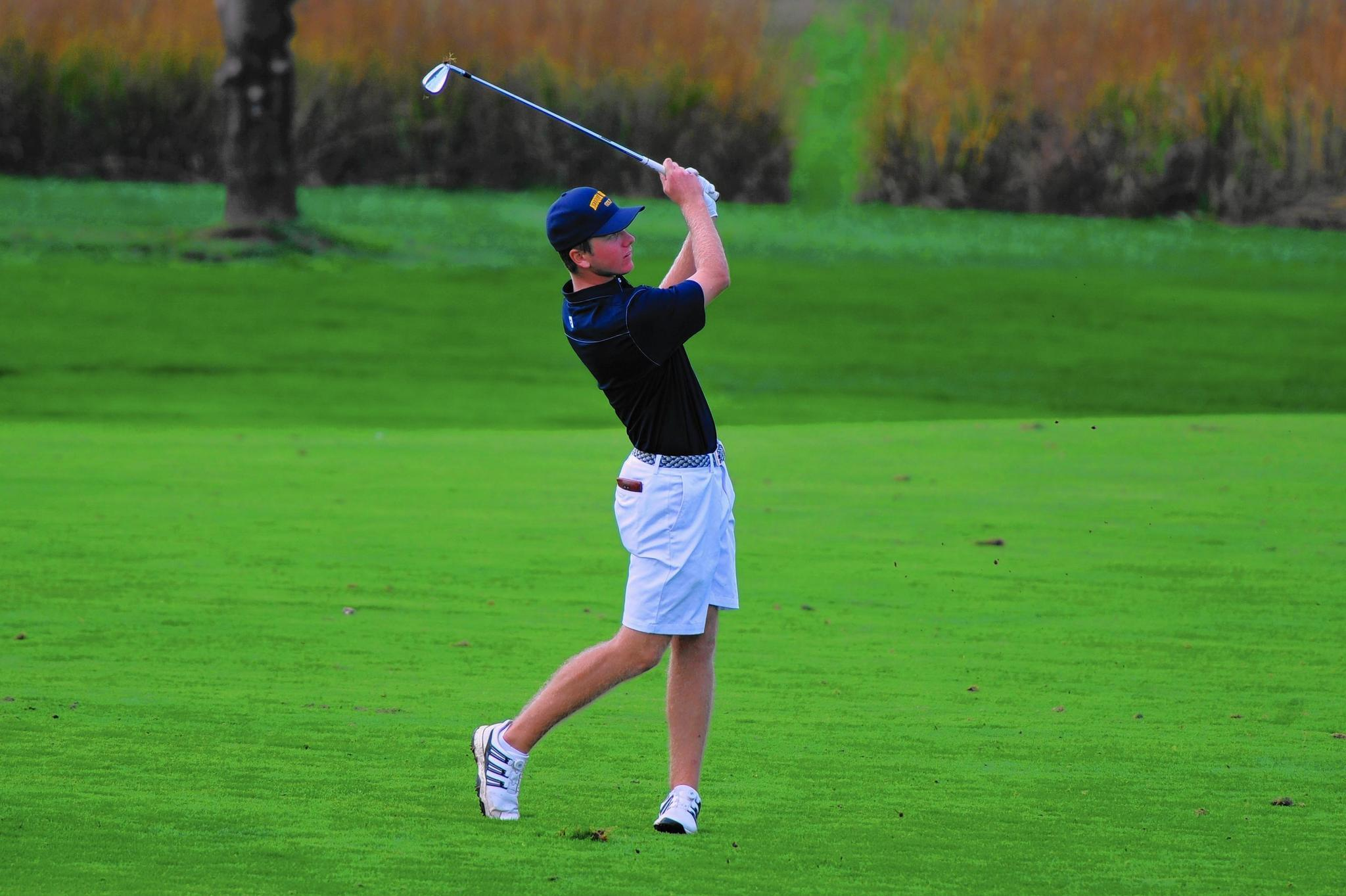Neuqua Valley's Jack Vercautren places second in the boys golf state finals