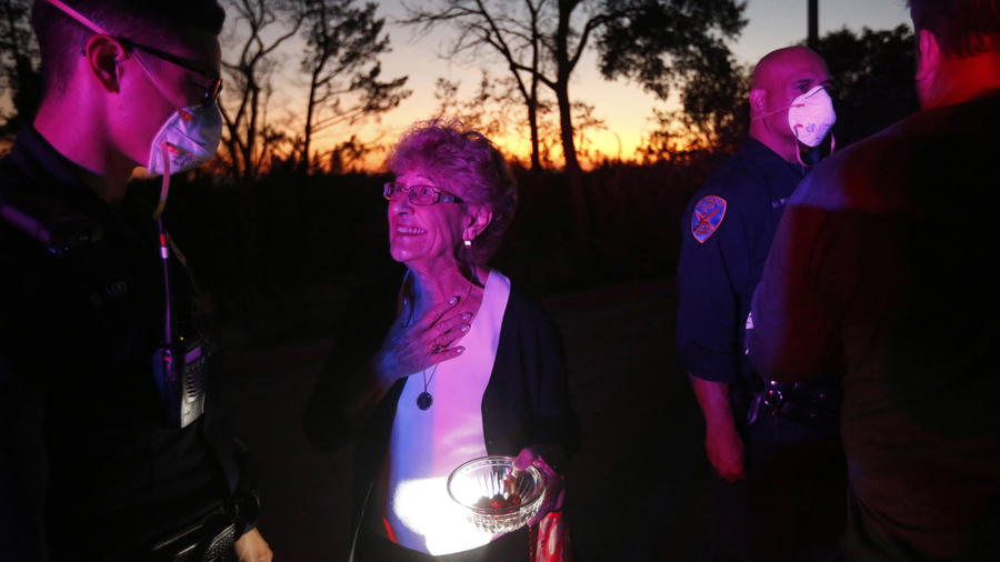 Residents were allowed to return to their homes in the Mark West Springs area in Santa Rosa on Sunday night. (Genaro Molina / Los Angeles Times)