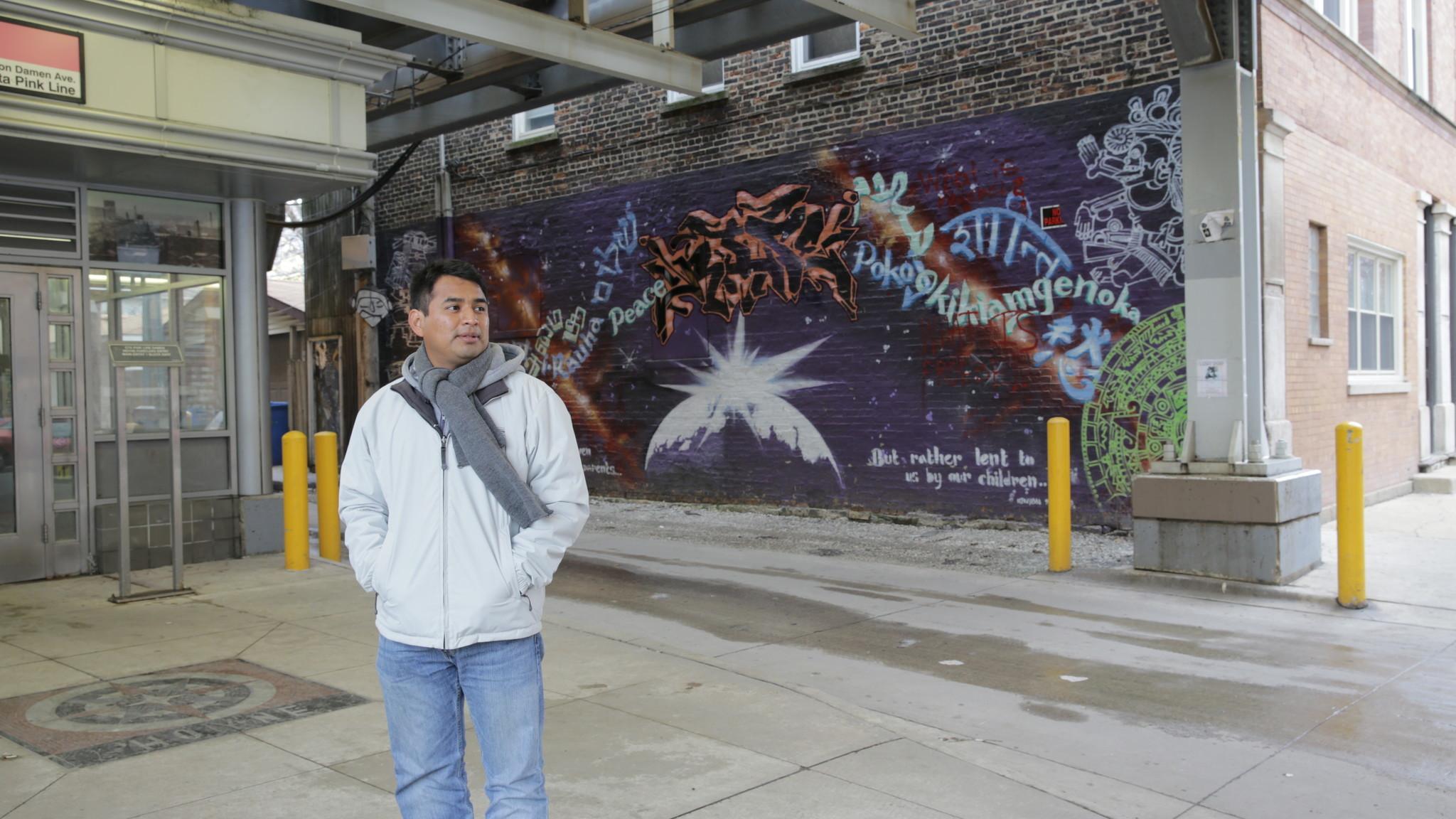 Ct-hoy-joven-estadounidense-regresa-a-eeuu-a-conocer-su-pais-despues-de-ser-criado-en-una-comunidad-indigen-20171016