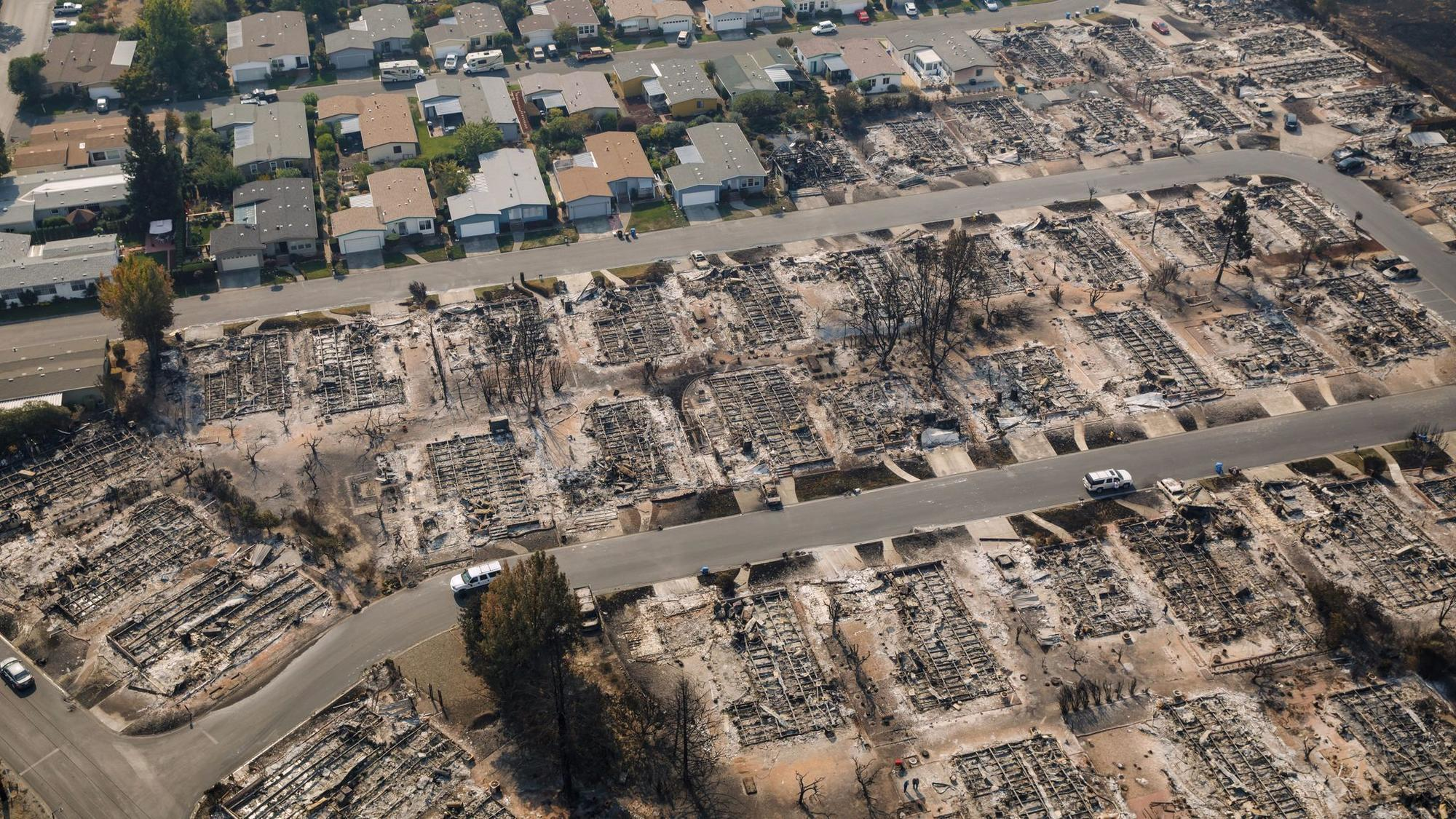 despite clear risks santa rosa neighborhood that burned