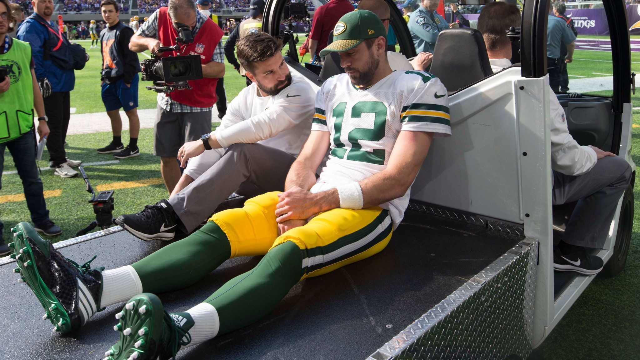 Sd-sp-chargers-hall-of-famer-dan-fouts-feels-pain-of-packers-qb-aaron-rodgers-20171016