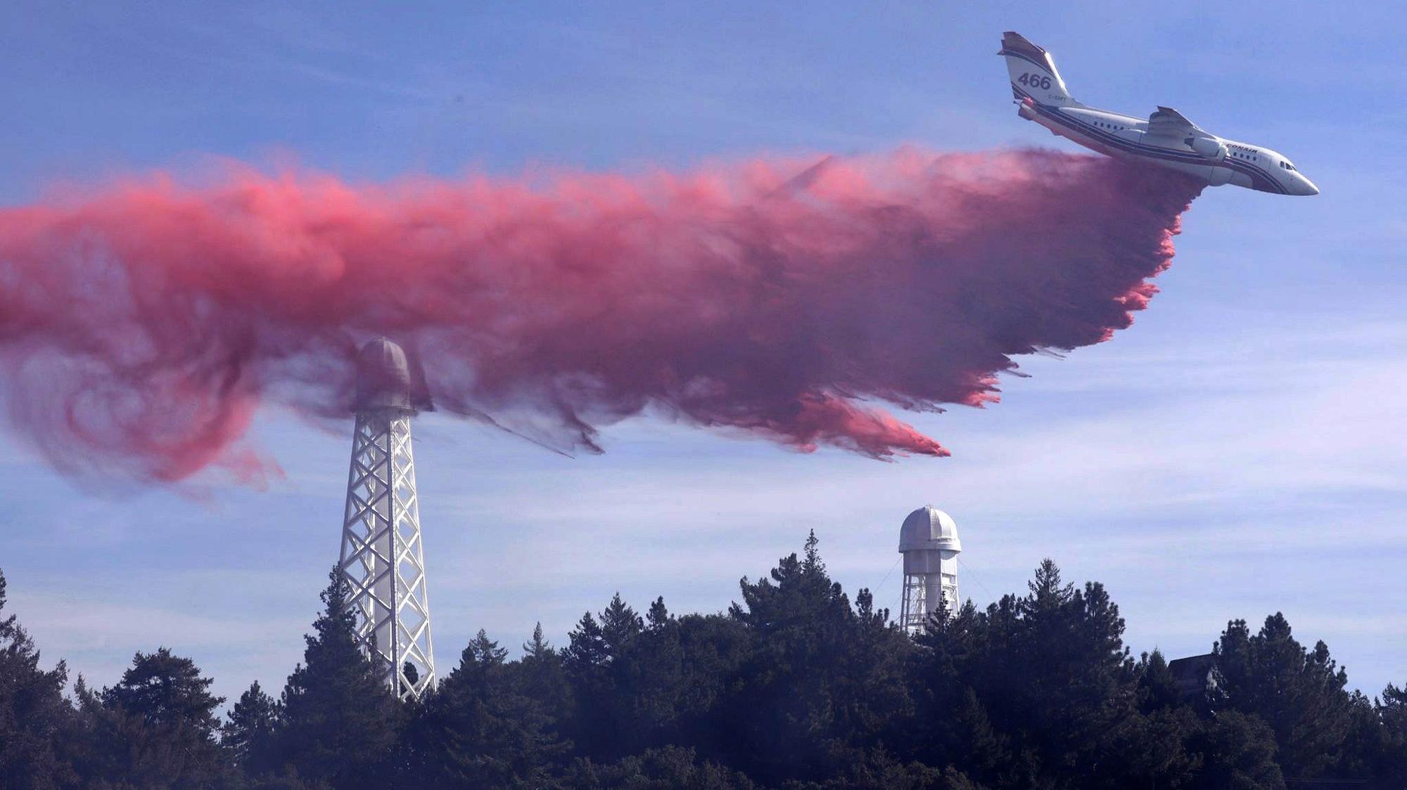 Firefighters battle blaze near Mt. Wilson Observatory