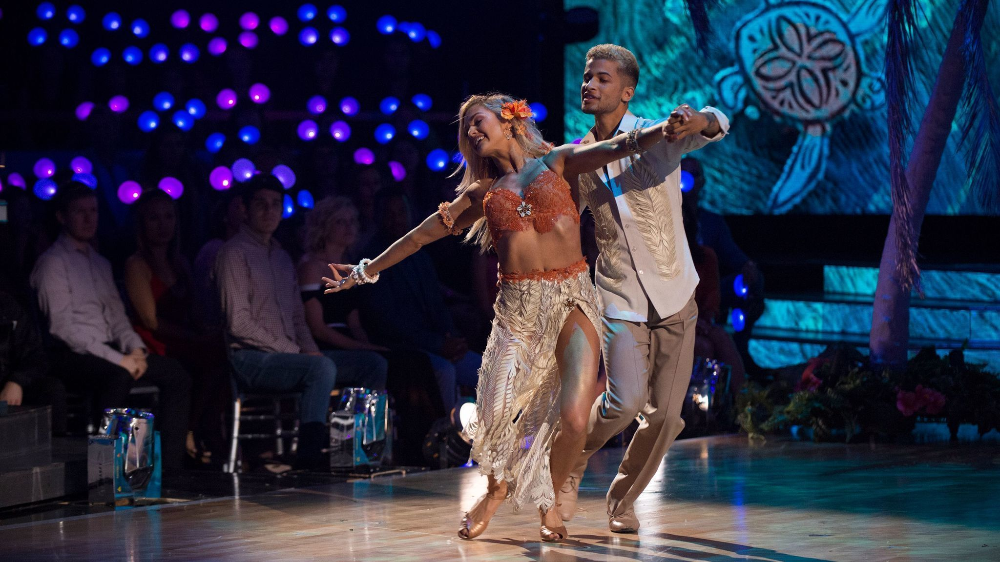 'Dancing With the Stars' recap: Jordan Fisher is perfect; Sasha Pieterse is eliminated