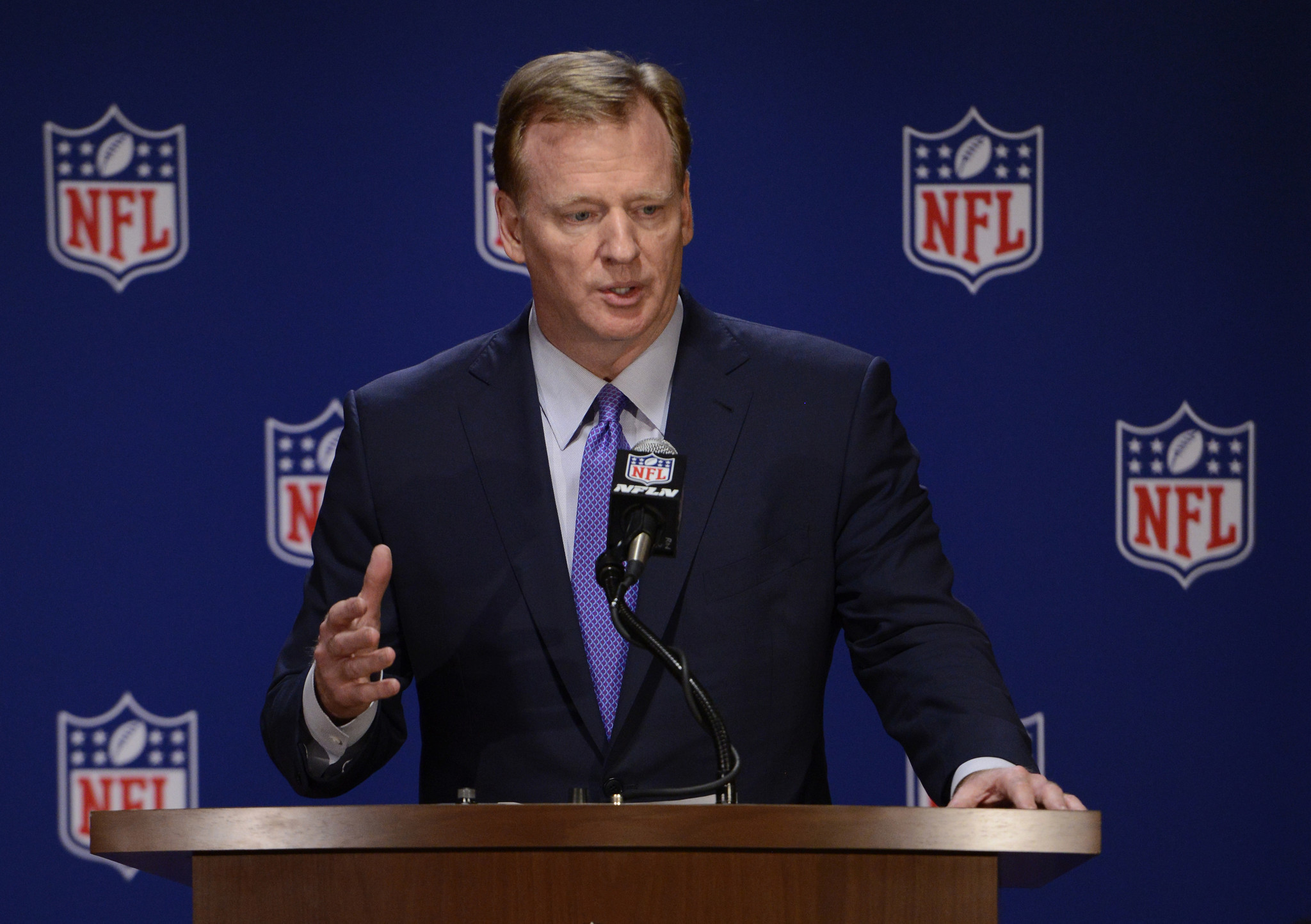 Os-sp-ap-nfl-players-owners-hold-constructive-talks-on-issues-20171017