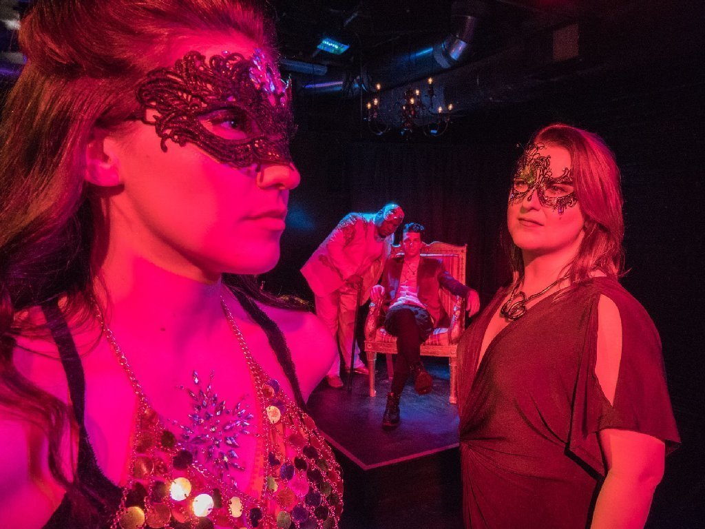 Things to do in chicago this weekend lit luz mca hearts chicago arts in the dark parade chicago tribune