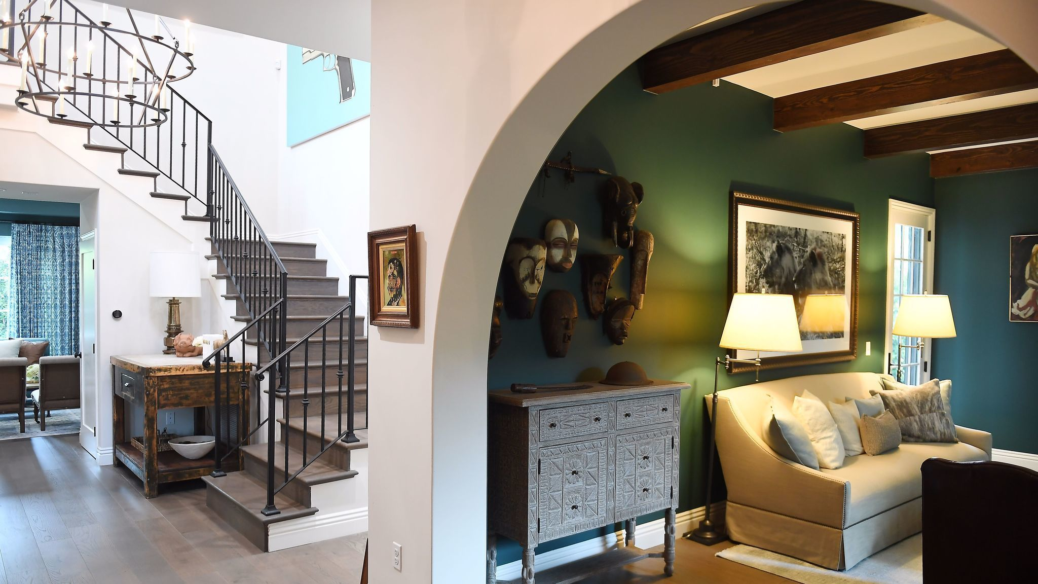 Online Design Helps Transform Cheviot Hills Home From 39 Vanilla Box 39 To Alluring Traditional