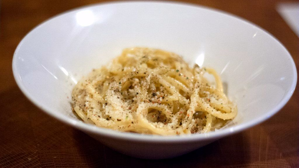 Search for Chicago's best cacio e pepe leads down untraditional paths