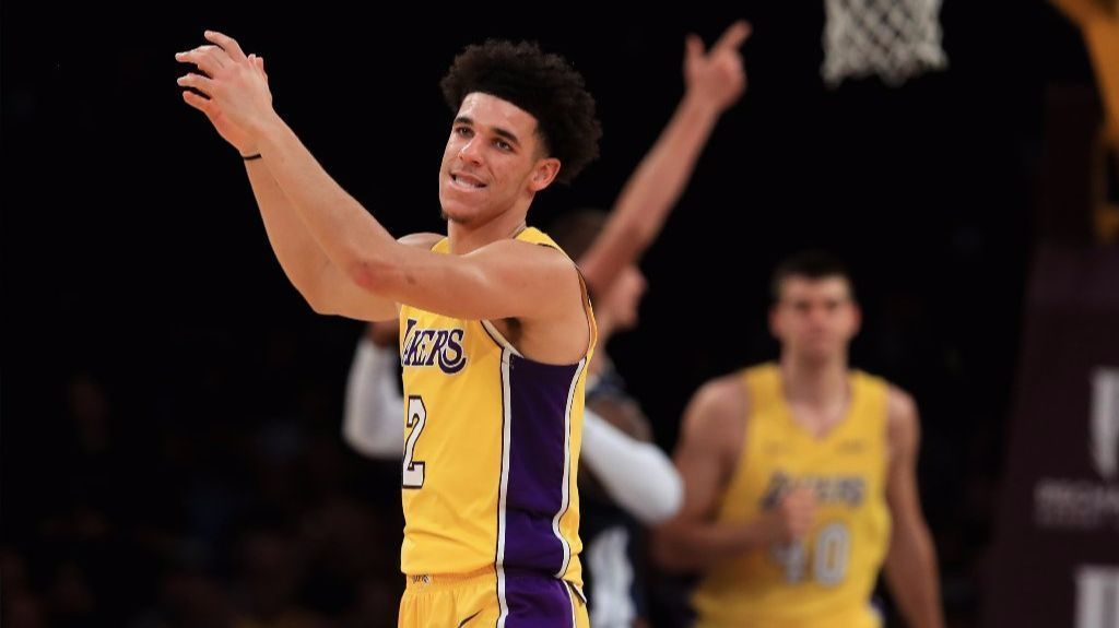 La-sp-lakers-advance-20171018