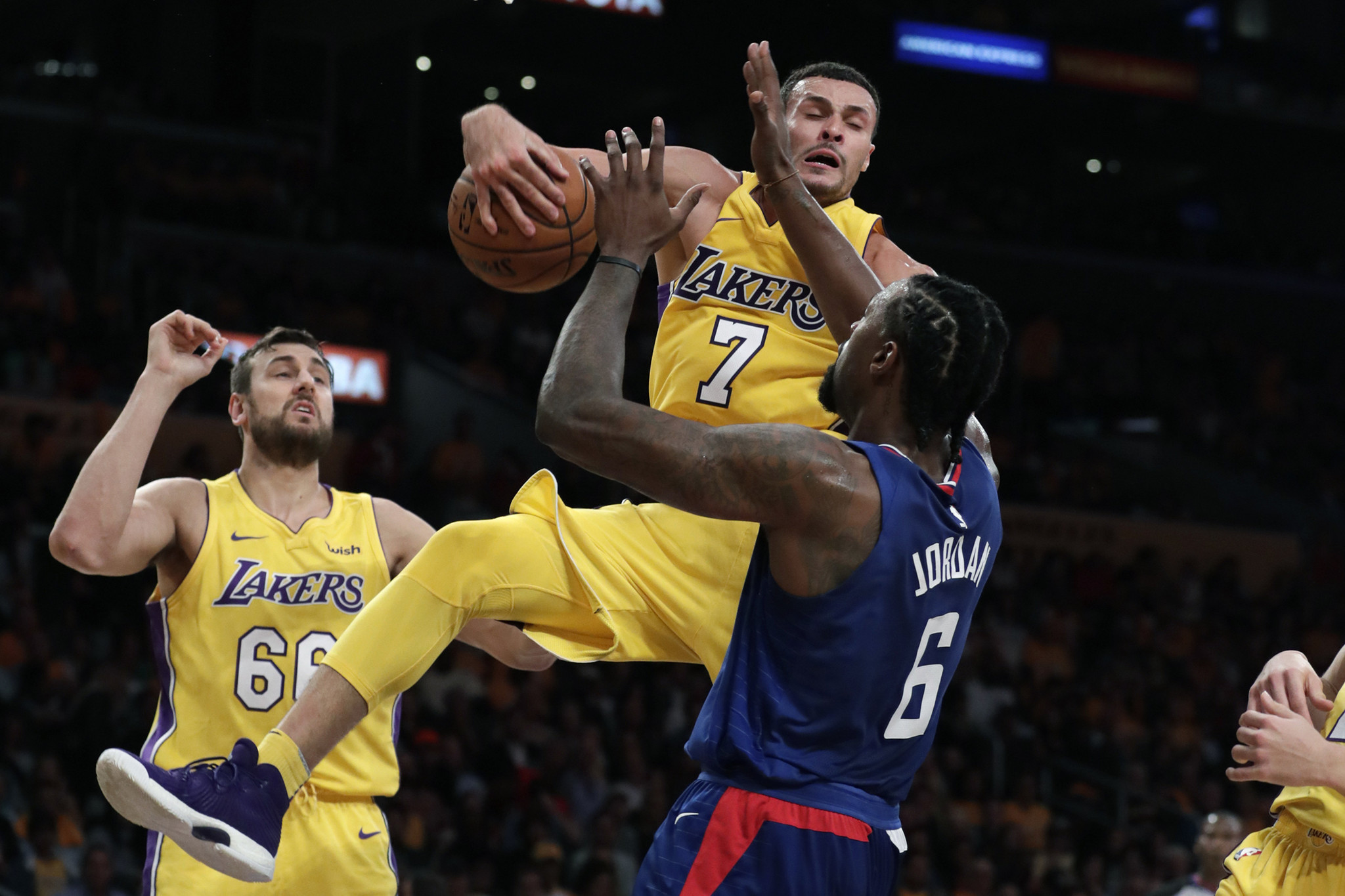 La-sp-lakers-report-20171019