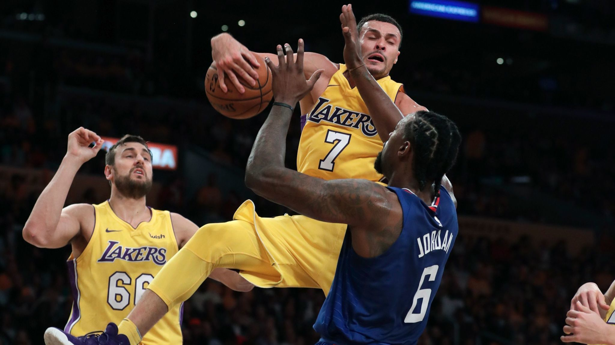La-sp-lakers-clippers-takeaways-20171020