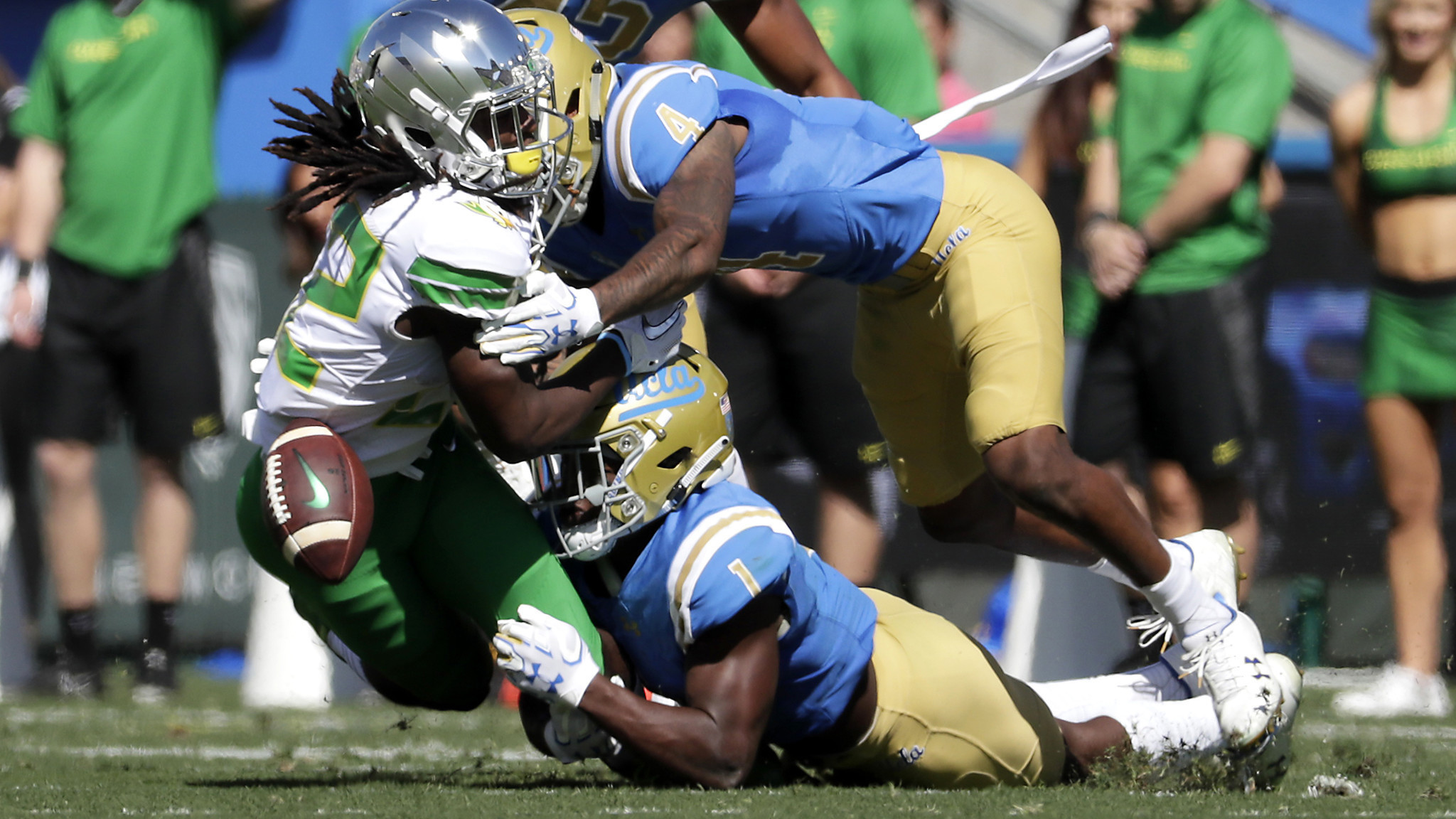 UCLA delivers first victory over Oregon in a decade, in an entirely unexpected way
