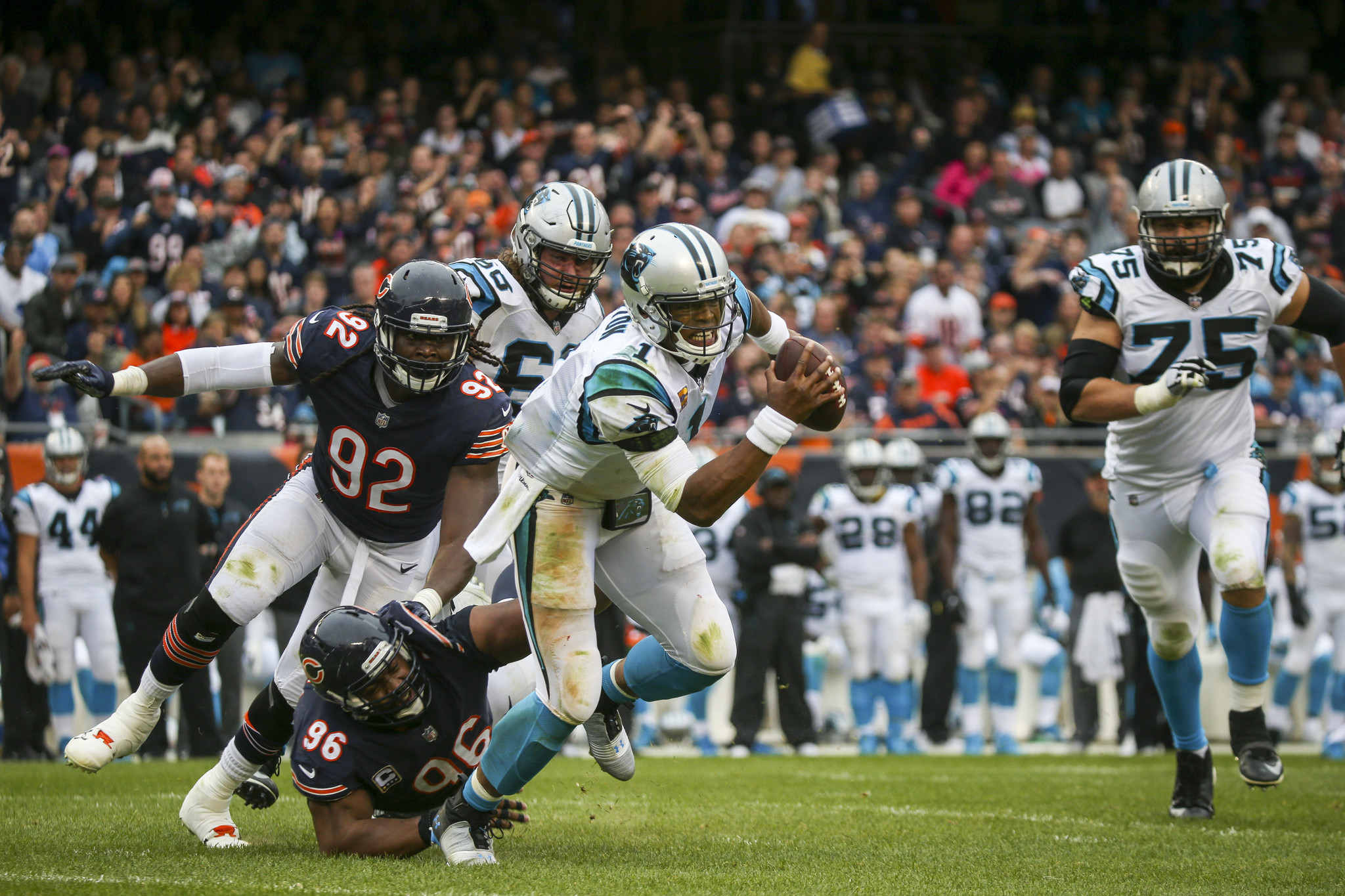 Ct-bears-get-after-cam-newton-biggs-spt-1023-20171022