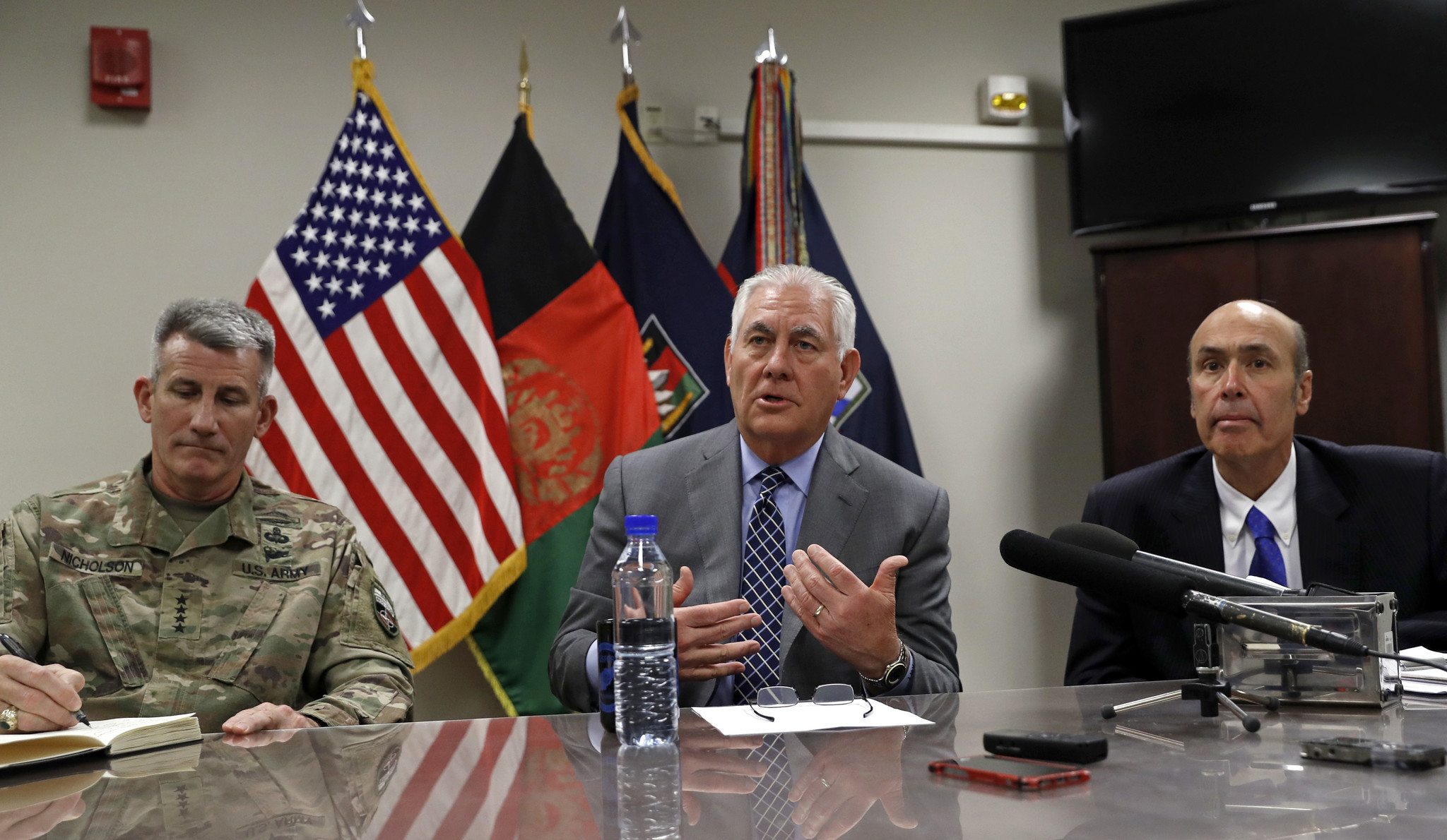 Tillerson travels to Iraq in second unannounced visit, hours after trip to Afghanistan