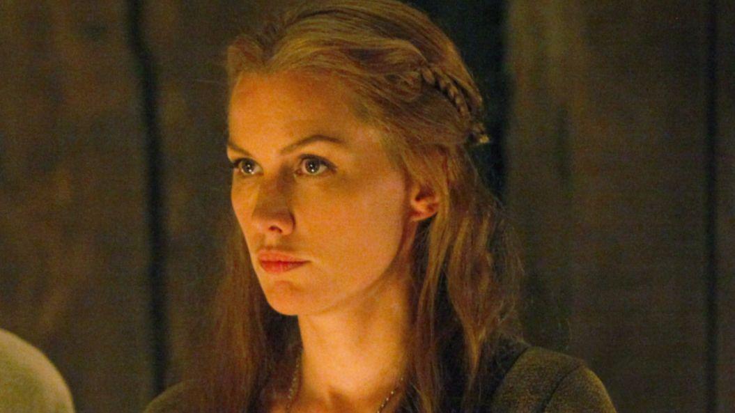"Alice Evans in ""The Vampire Diaries."""