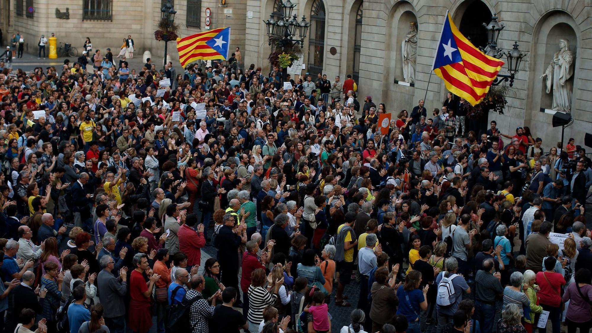 Catalonia's leader again refused to declare independence. Now it's up to parliament.