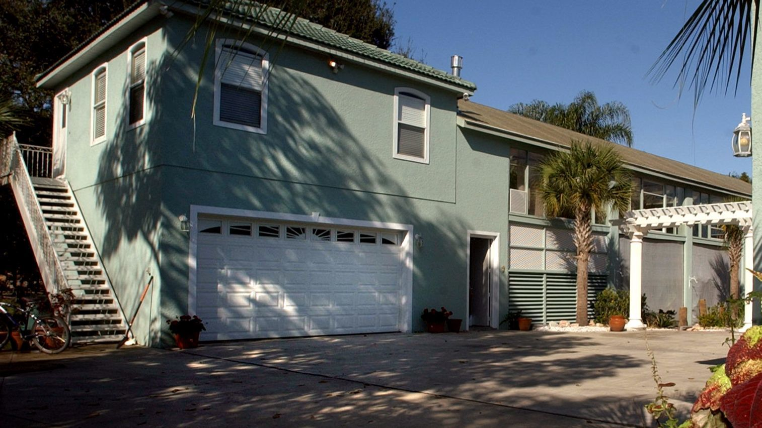 Garage apartments are an increasing focus for Orange and Osceola counties. Bobby Coker/Orlando Sentinel  Boas story ORG XMIT: 14415