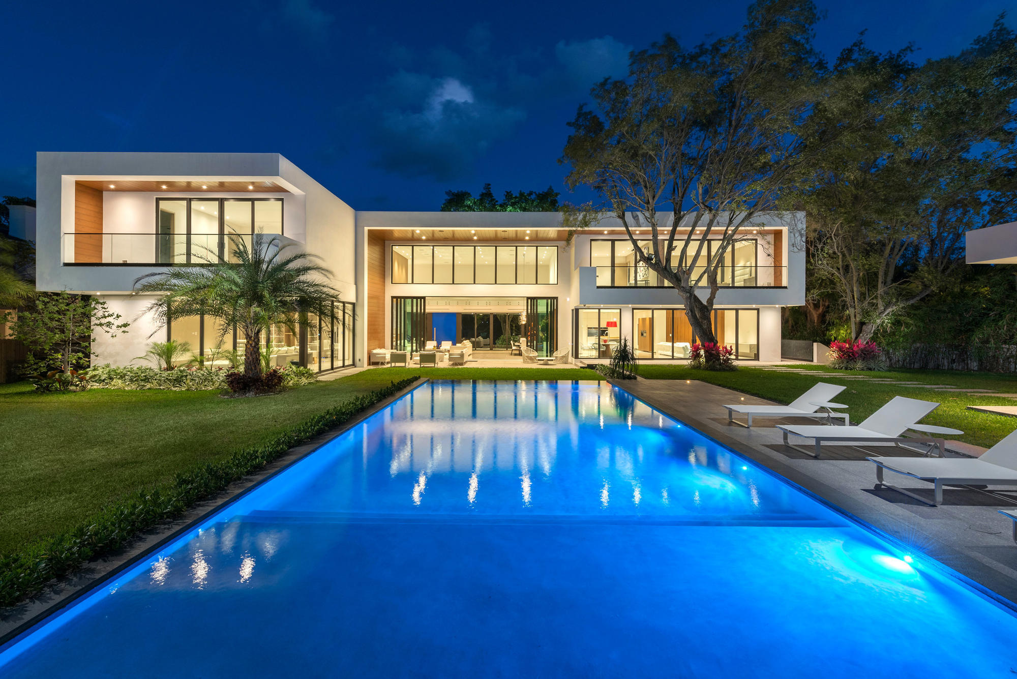 House Of The Week Coconut Grove Modern Mansion Asks 8 8m