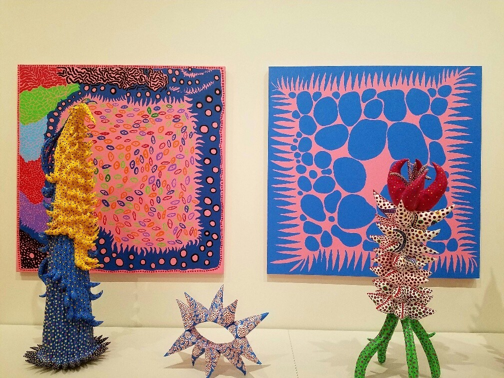 Installation view of recent paintings and sculptures by Yayoi Kusama.