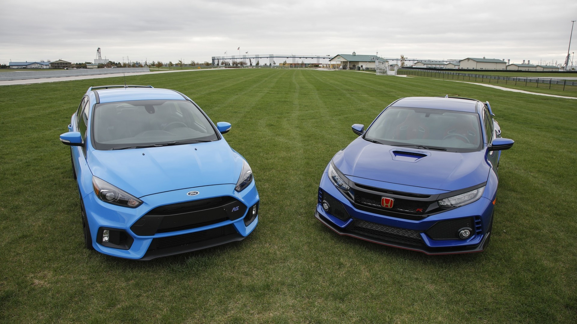 the ford focus rs vs honda civic type r baltimore sun. Black Bedroom Furniture Sets. Home Design Ideas