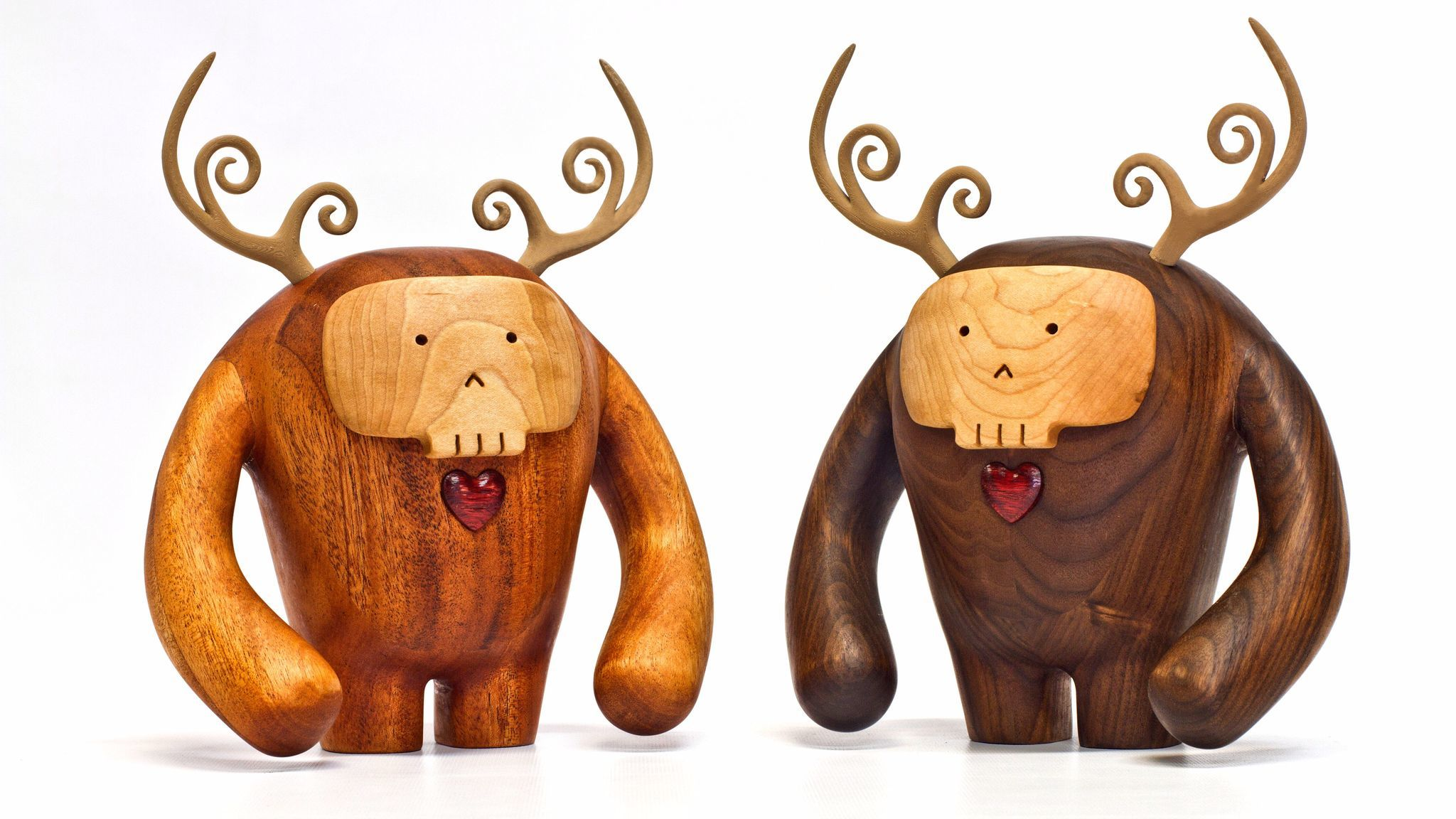 Wooda, a designer, manufacturer, and online retailer of on-trend furniture and wood-based décor, today unveiled Los Hermanos Calavera. The all-wood sculptures are handcrafted to add smiles to home offices, beautify bookcases or add an eclectic touch to any space you welcome them.Photo credit: Wooda