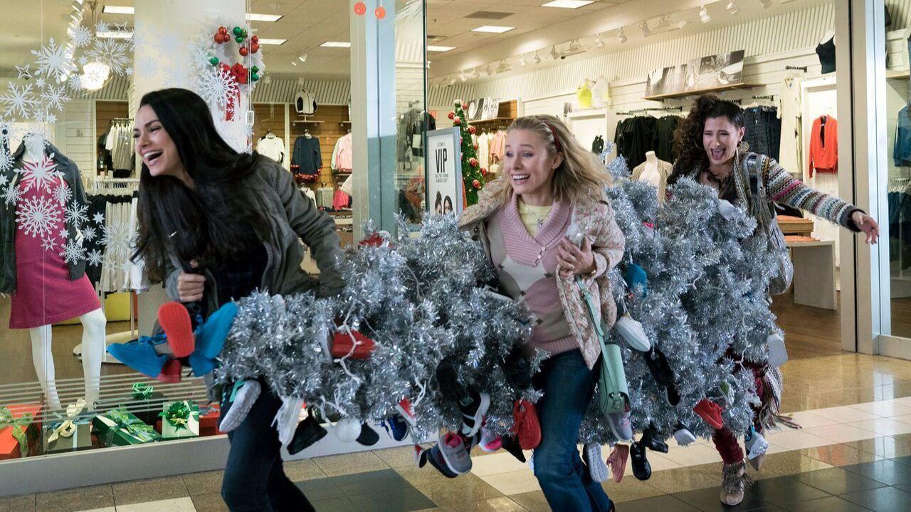 A Bad Moms Christmas\' gives its characters a rare and precious gift ...