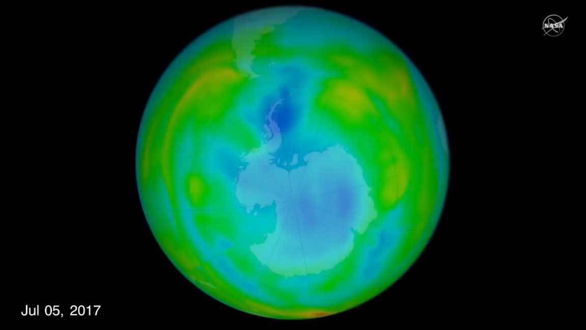 Warm winter air makes for a small ozone hole