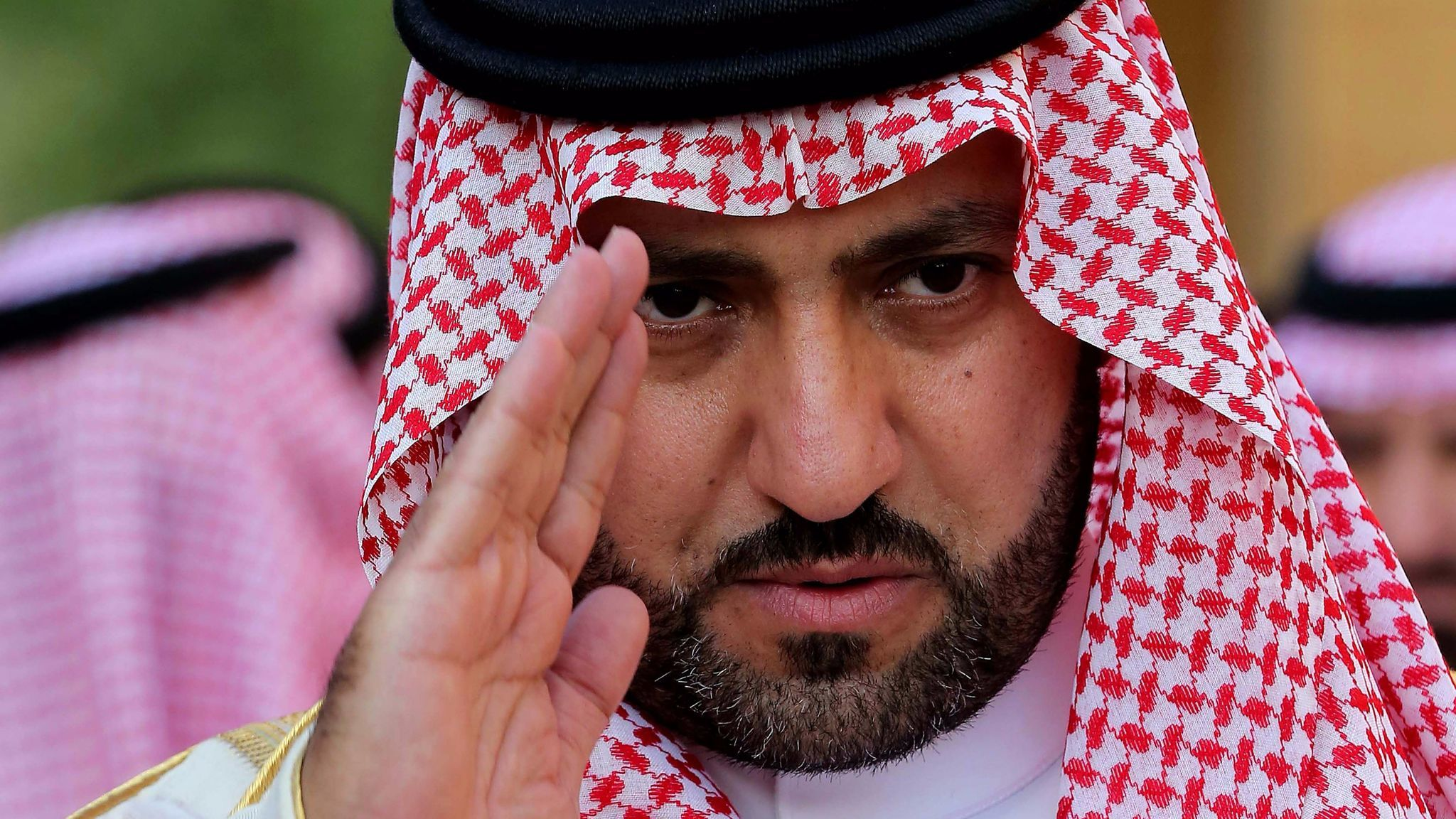Saudi crown prince cracks down on royals and ministers to consolidate power