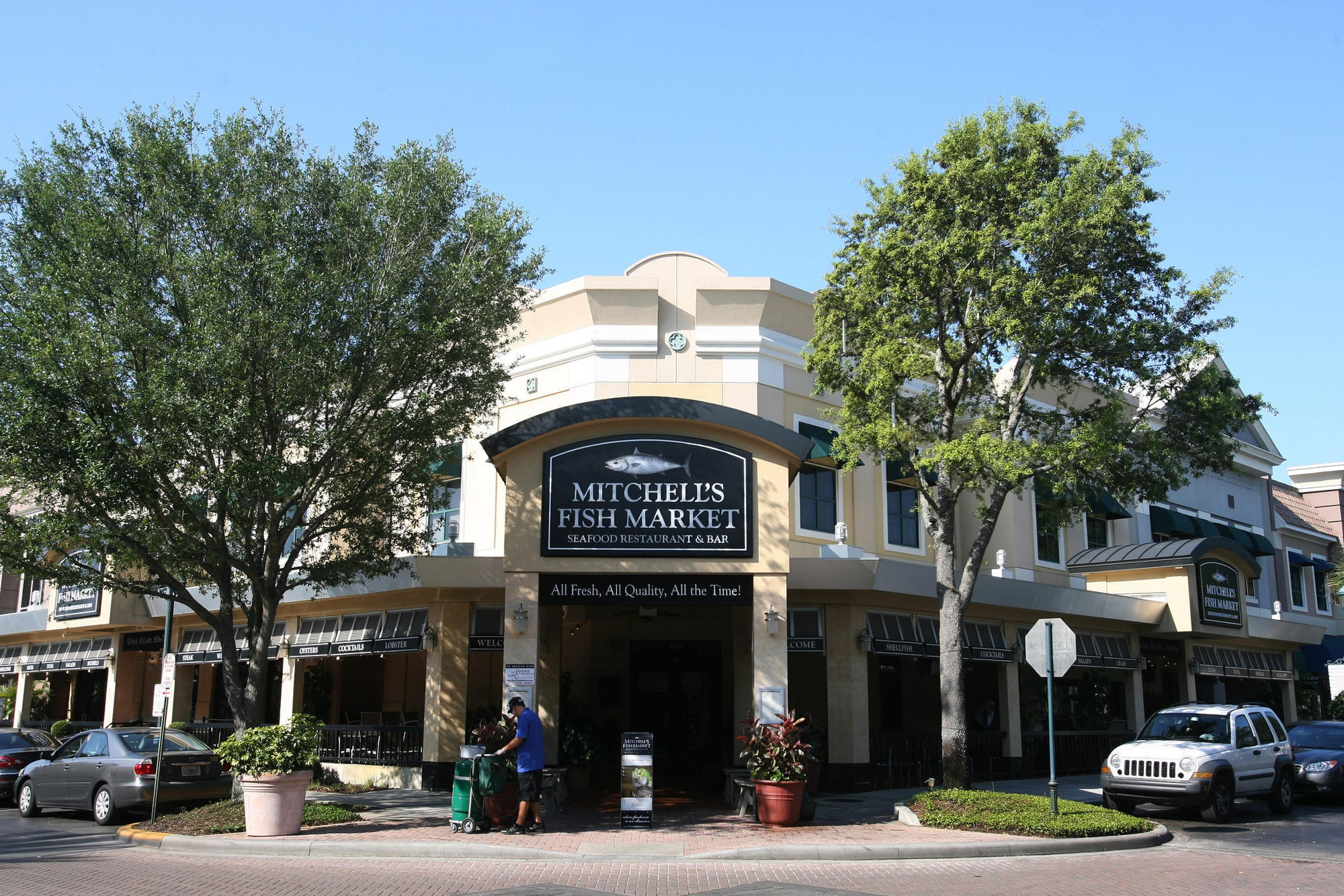 Mitchell 39 s fish market restaurant closes in winter park for Mitchell s fish market locations
