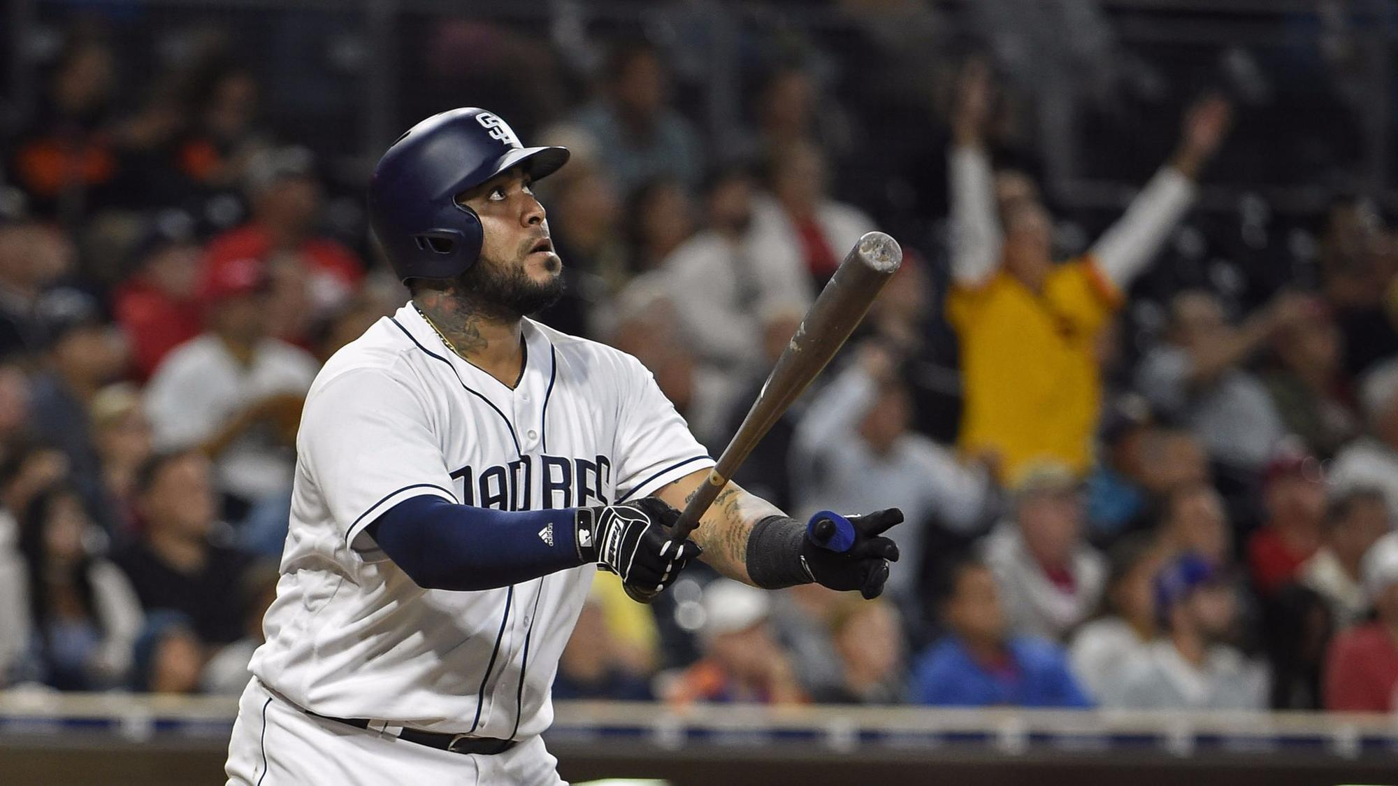 Sd-sp-padres-sanchez-elects-free-agency-20171106