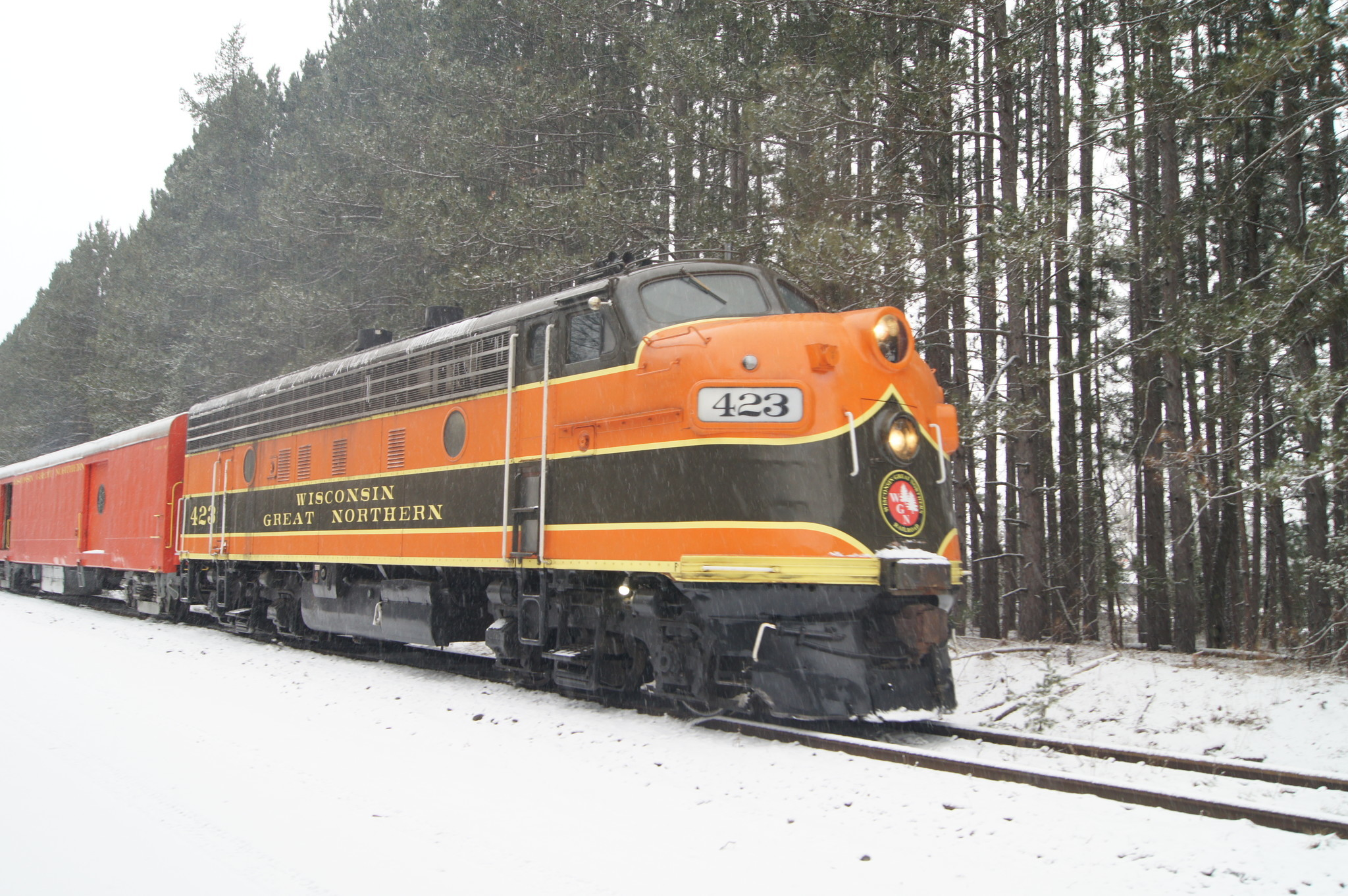 All Aboard The Best Christmas Train Rides In America La