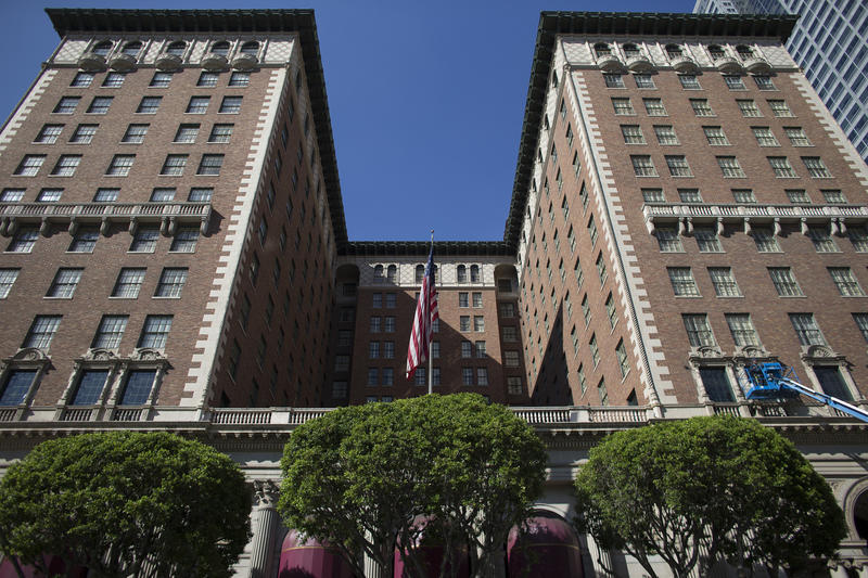 Step Up To The Biltmores Bar In Downtown LA And Remember The - A step up in amazing architecture la