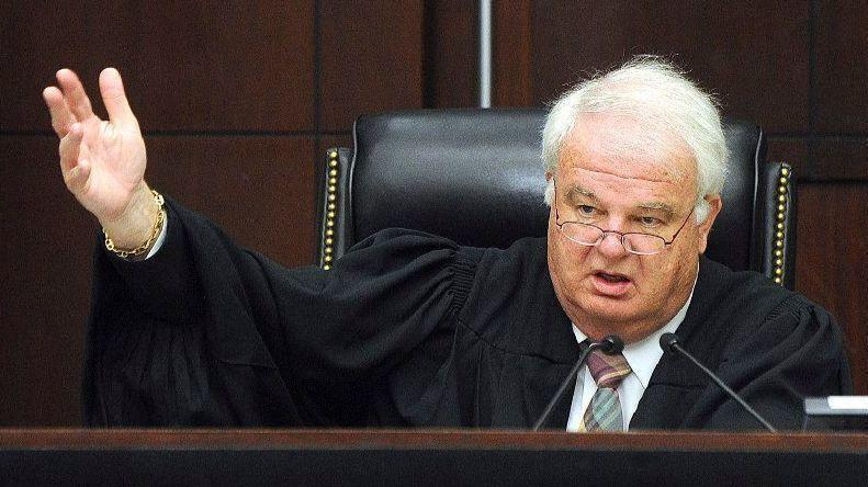 Judges sleeping through evidence not cause for new trial illinois judges sleeping through evidence not cause for new trial illinois appeals court says chicago tribune ccuart Images