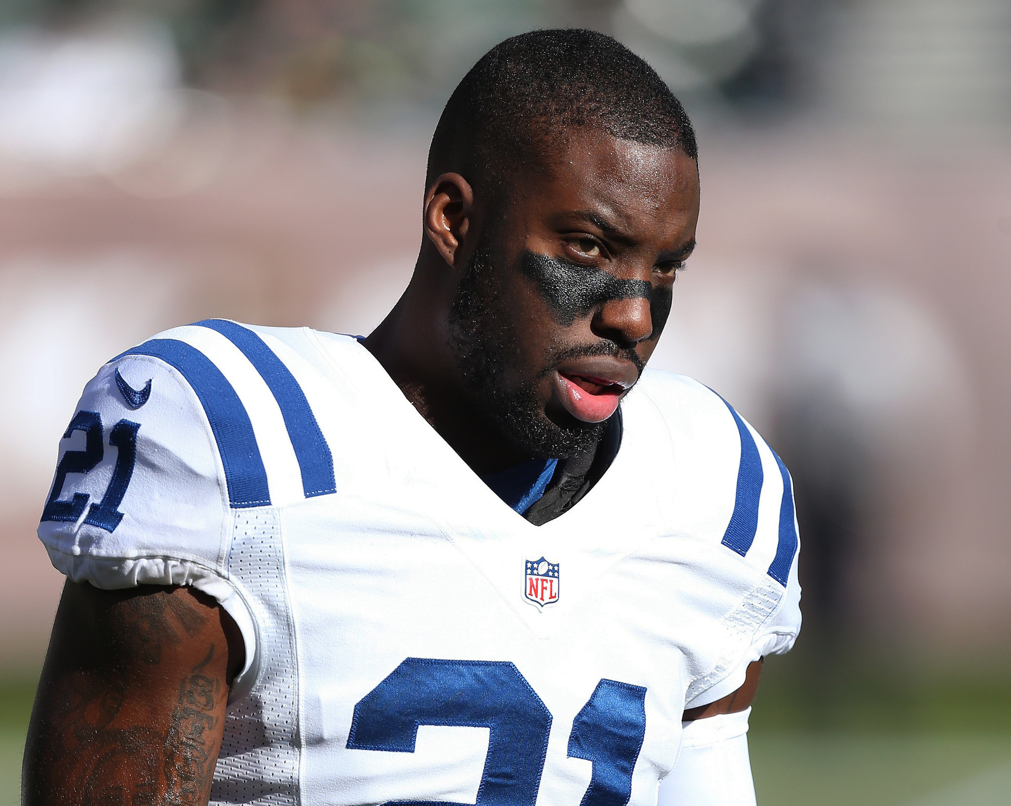 Colts release Vontae Davis after he publicly plained about