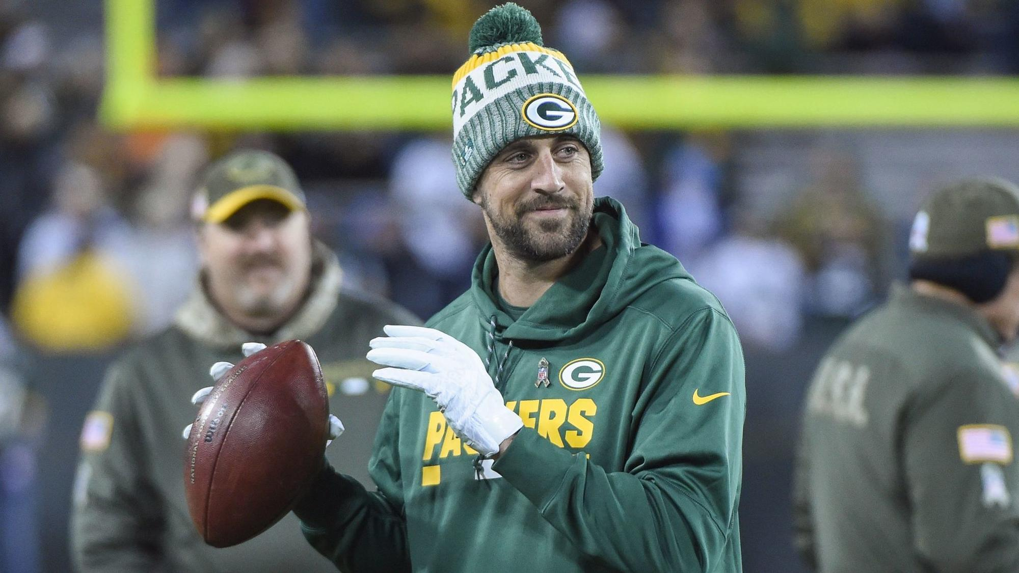 We don t need X ray to know Aaron Rodgers clavicle looks better