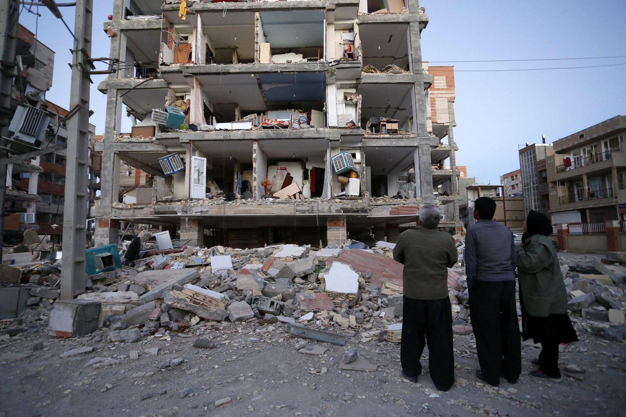 The most powerful earthquake in Iran and Iraq: hundreds of people died 4