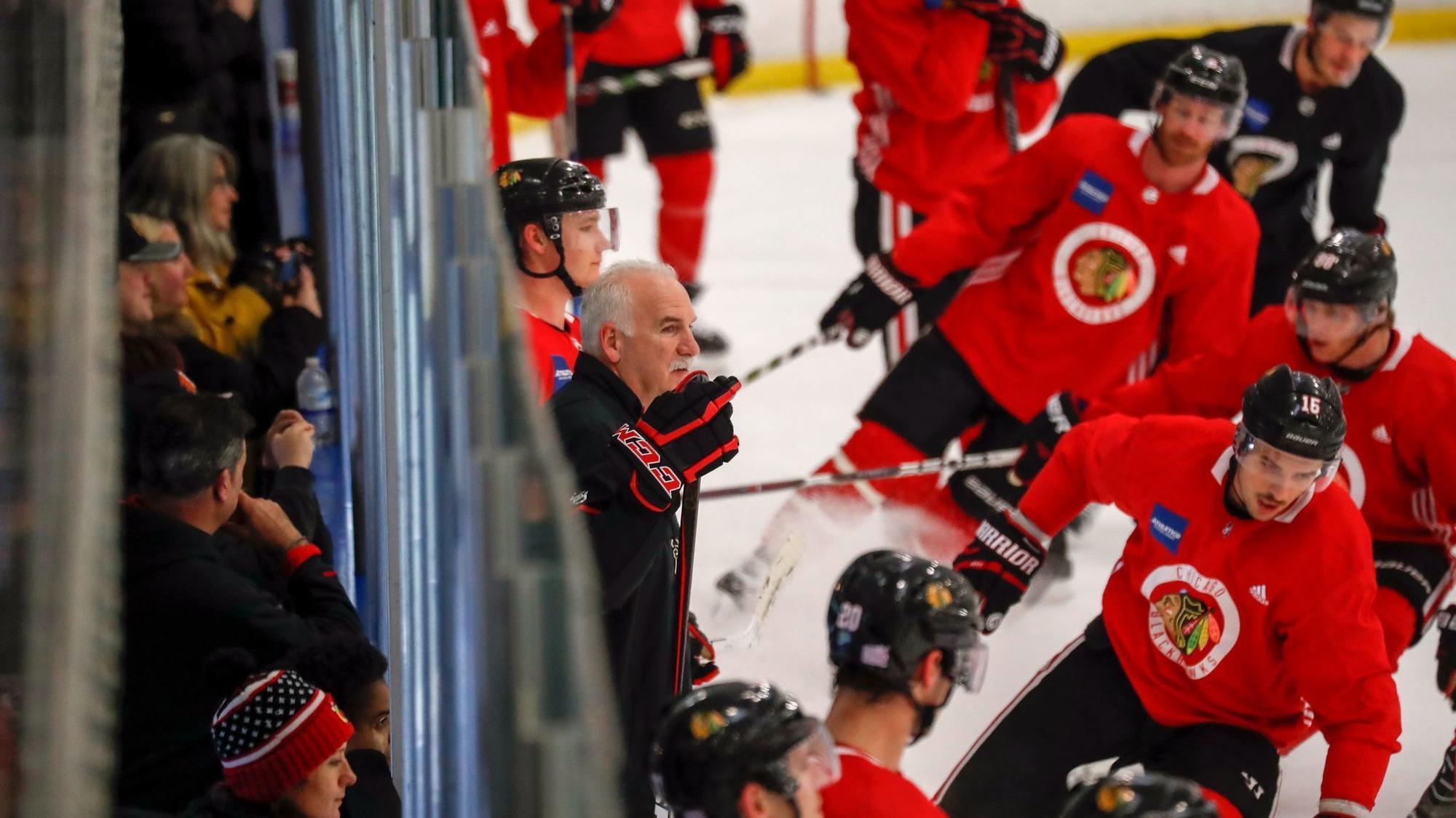Ct-spt-blackhawks-johnnys-icehouse-notes-20171114