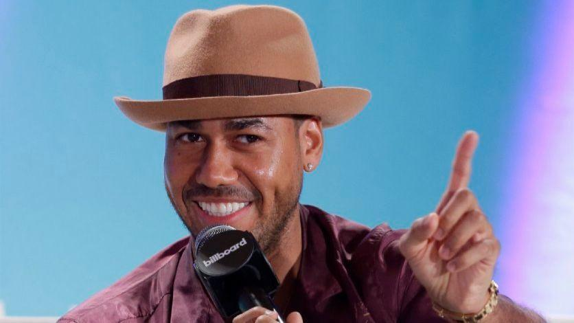romeo latin singles Spanish broadcasting system, inc (sbs) has teamed up with romeo santos and   singles and 40 million albums, he has won a stunning 17 billboard latin.