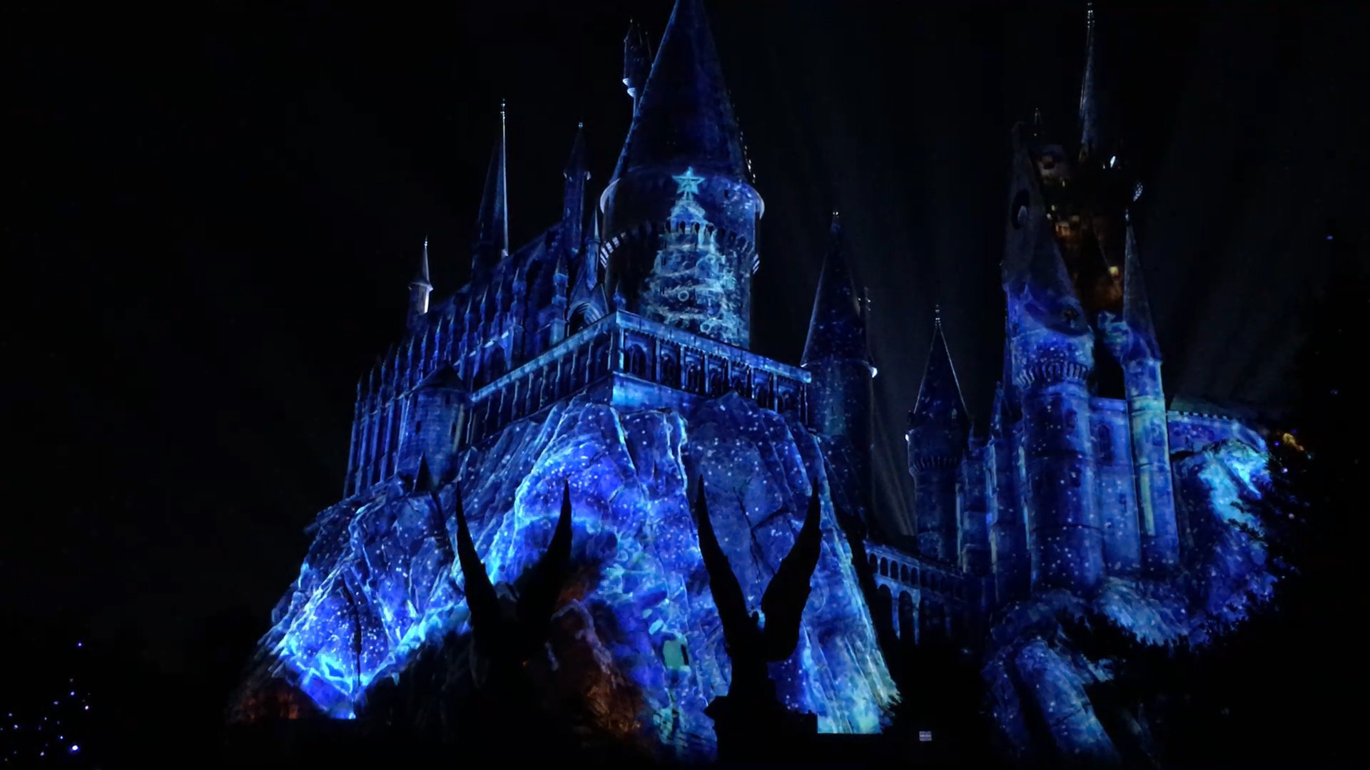 Amazing Wallpaper Harry Potter Christmas - os-christmas-at-harry-potter-wizarding-world-20171117  Photograph_626850.com/img-5a0eeefb/turbine/os-christmas-at-harry-potter-wizarding-world-20171117