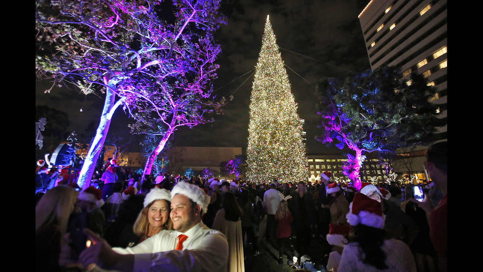 photo gallery south coast plazas 36th annual tree lighting daily pilot - Christmas Tree Lighting