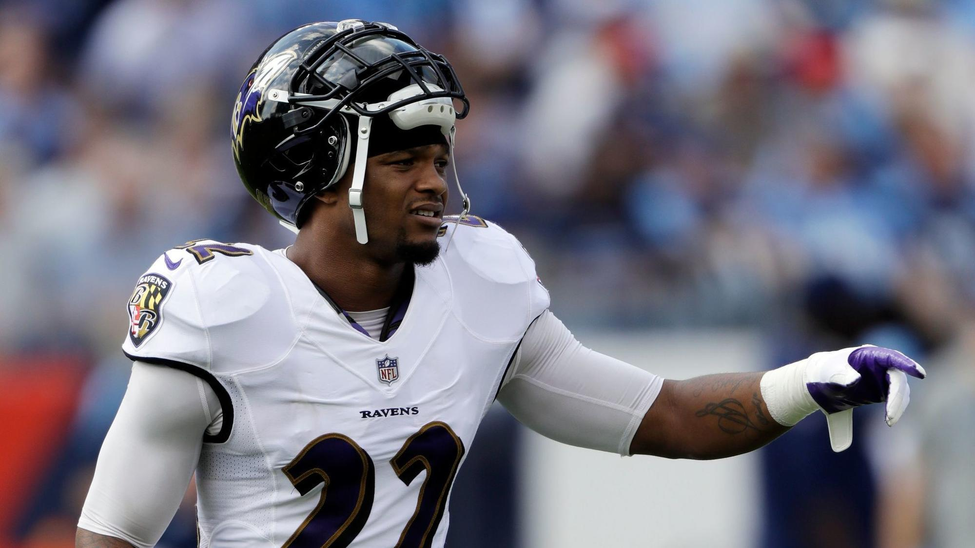 Bs-sp-jimmy-smith-appears-at-ravens-practice-20171117