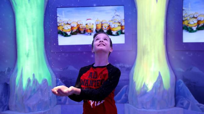 Business news chicago tribune children with special needs visit with santa sciox Gallery