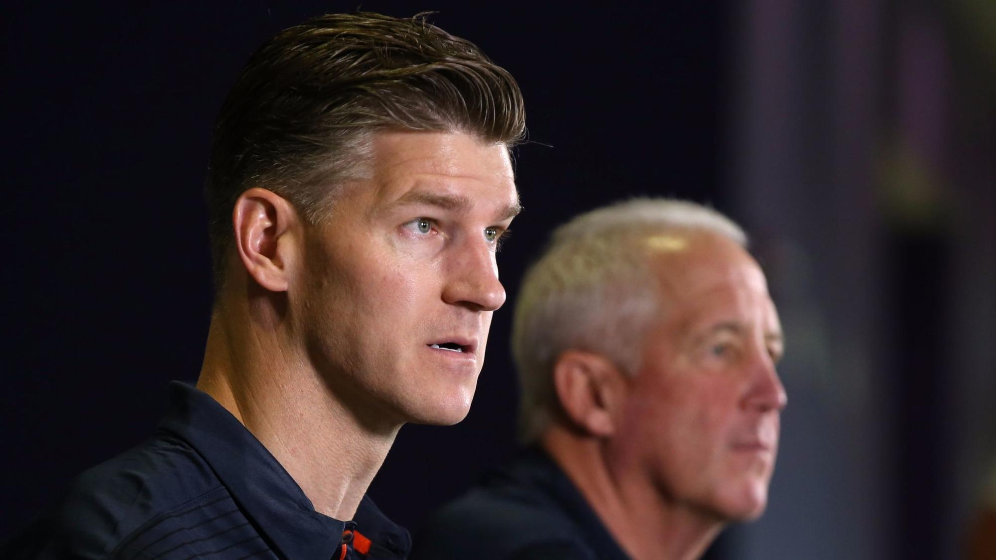 Ct-spt-bears-mulligan-ryan-pace-20171121