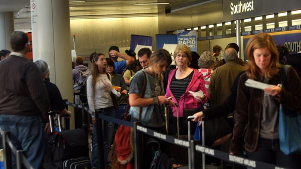 LAX is tops for flight delays during the Thanksgiving holiday