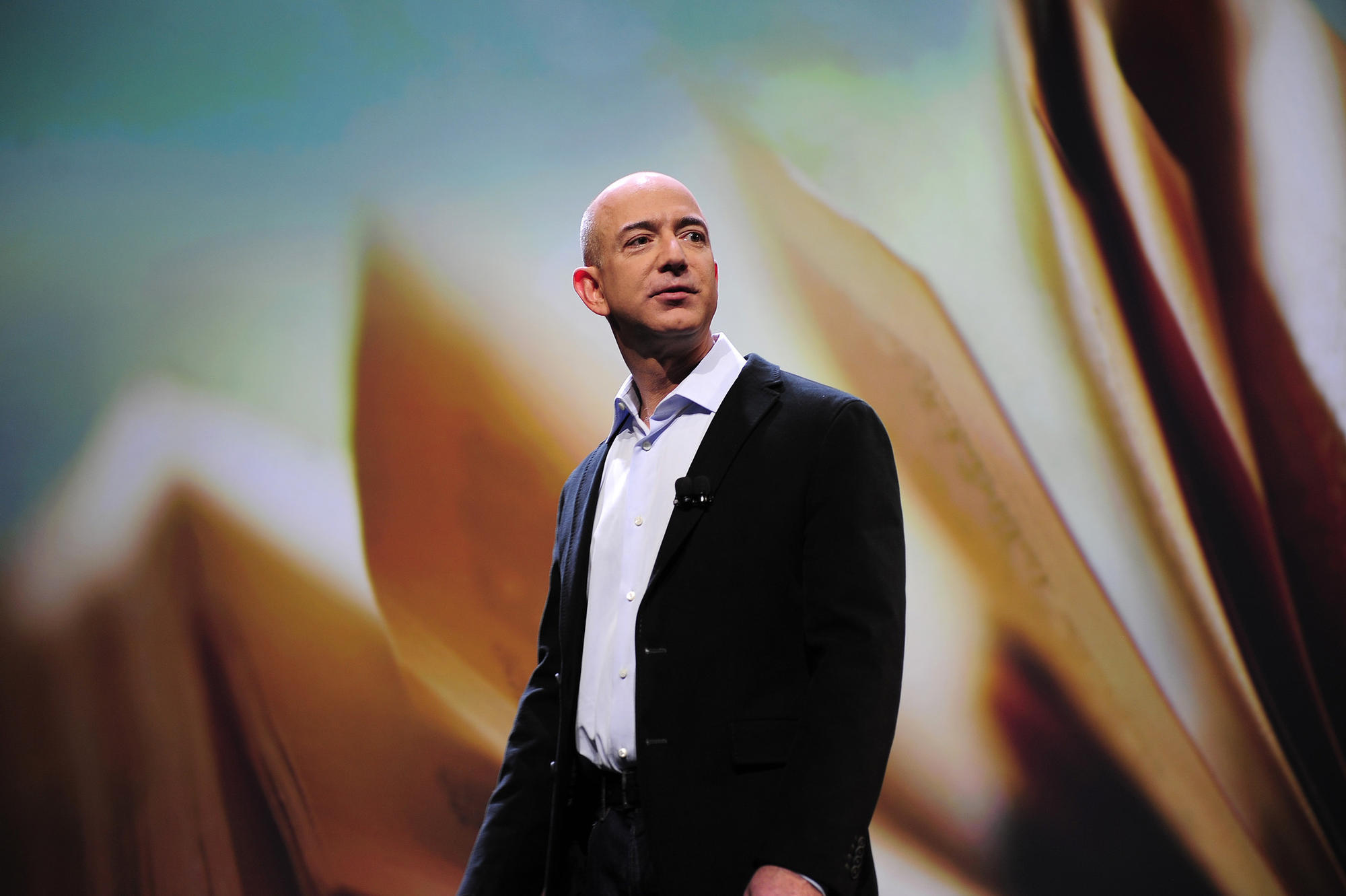 Jeff Bezos becomes world's only $100 billionaire with Amazon's Black Friday stock surge