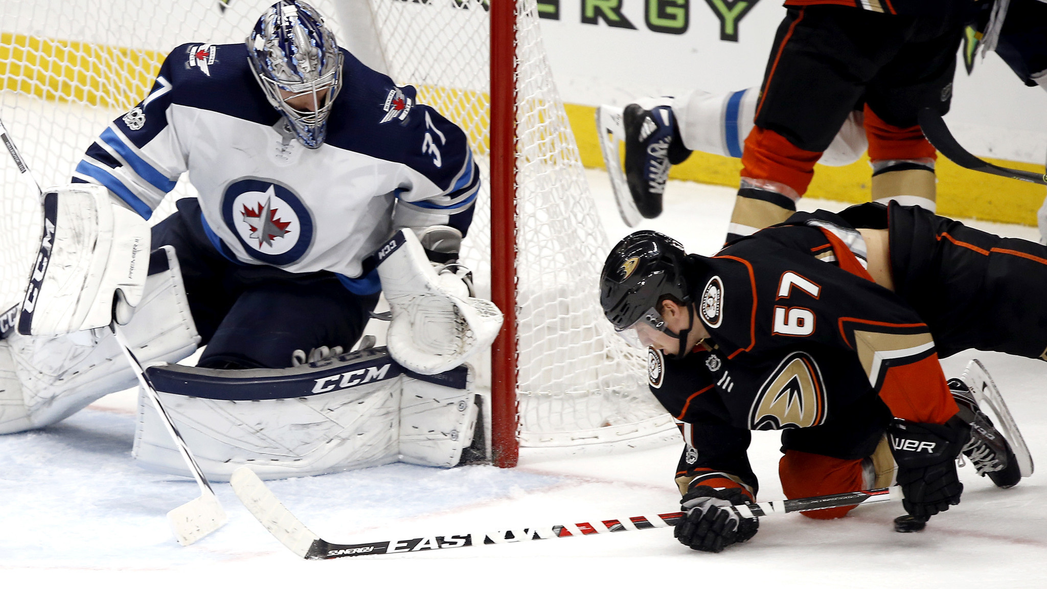 Ducks fall behind early and never recover in 4-1 loss to the Jets