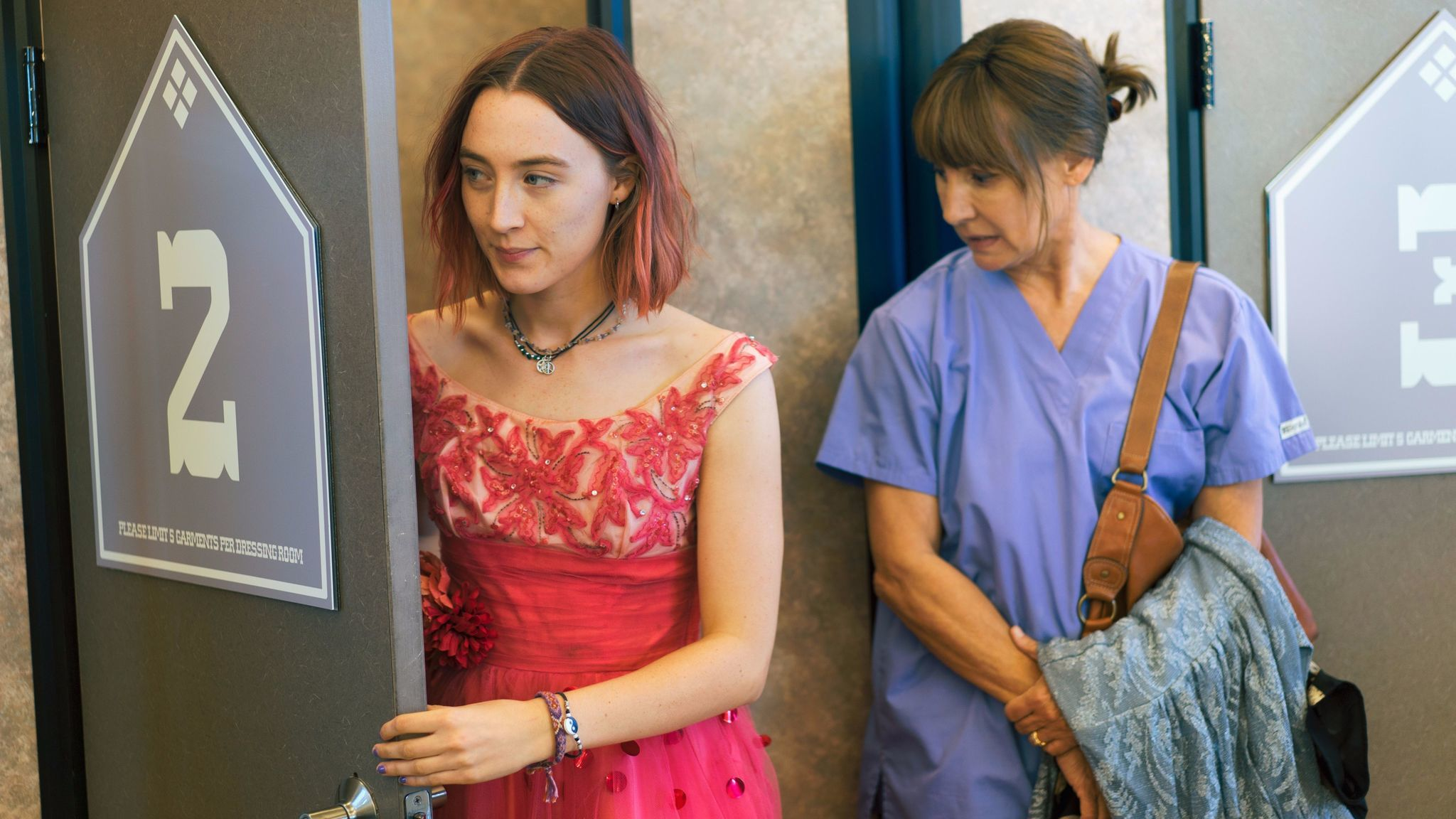 As Lady Bird, Ronan tries on prom dresses with her mom, played by Laurie Metcalf.